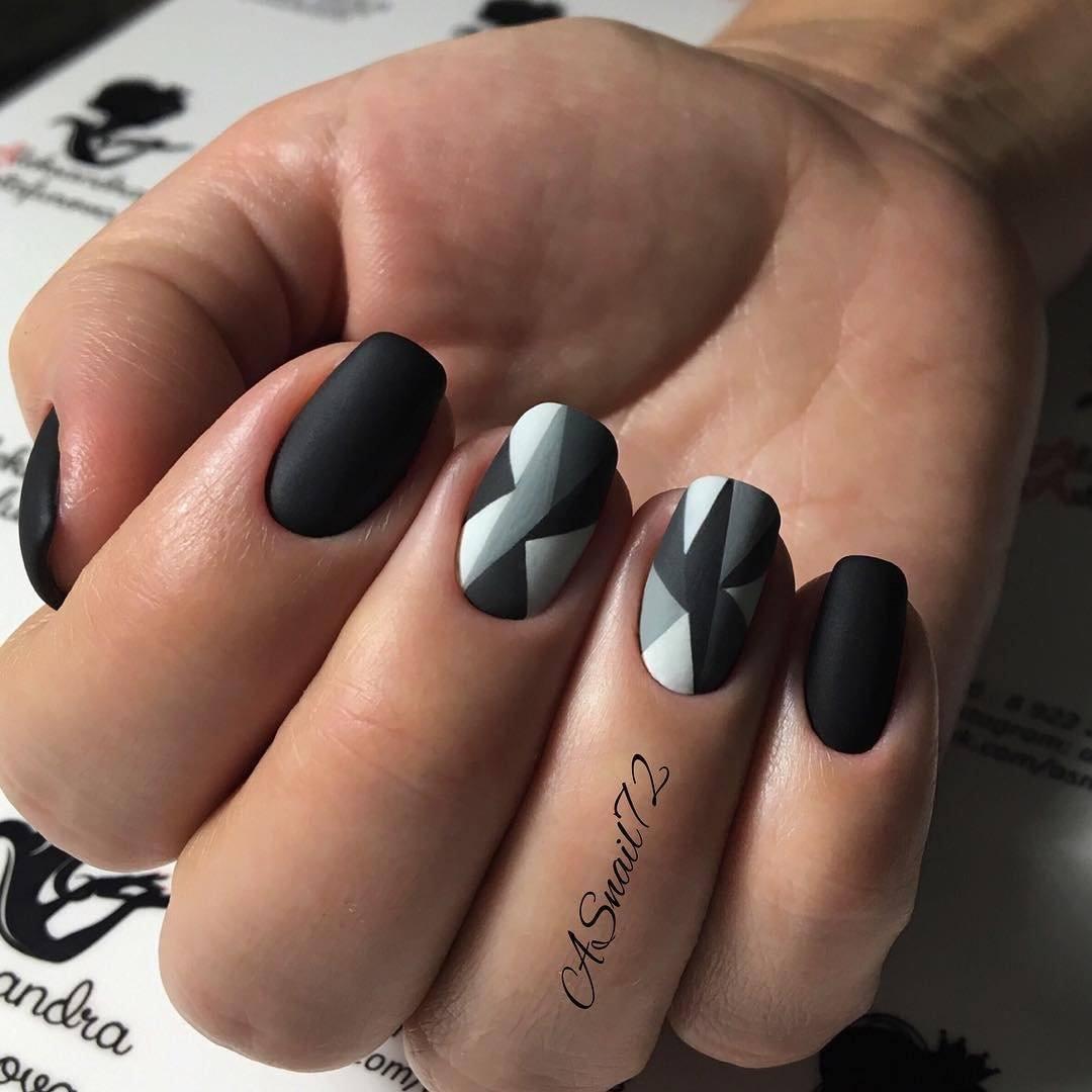 Elegantni Tmava Manikura 100 Nejlepsich Trendu Confetissimo Blog Pro Zeny