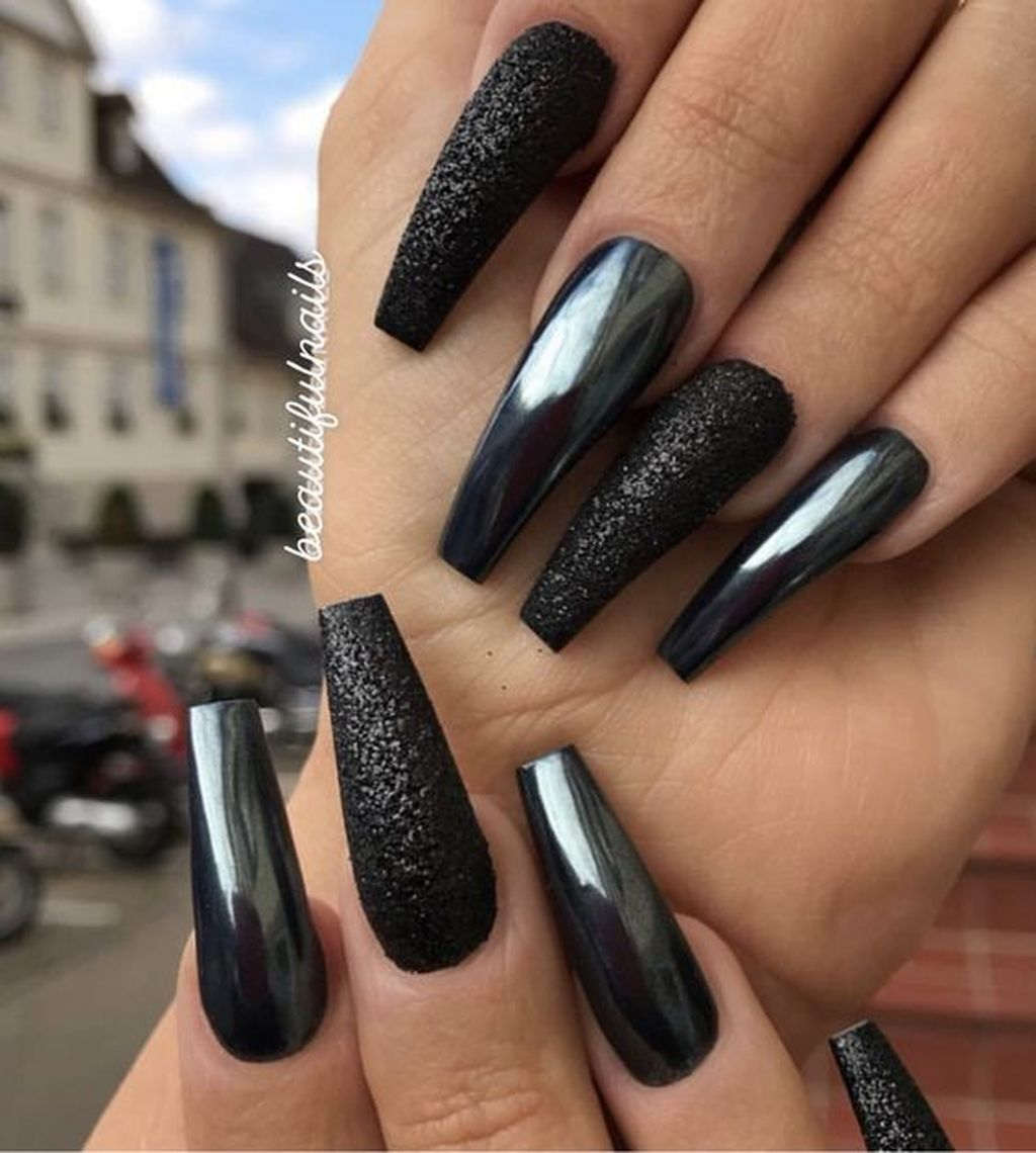 36 Modern Black Nail Designs Ideas To Try Now In 2020 Chrome Nails Designs Chrome Nail Art Black Nail Designs