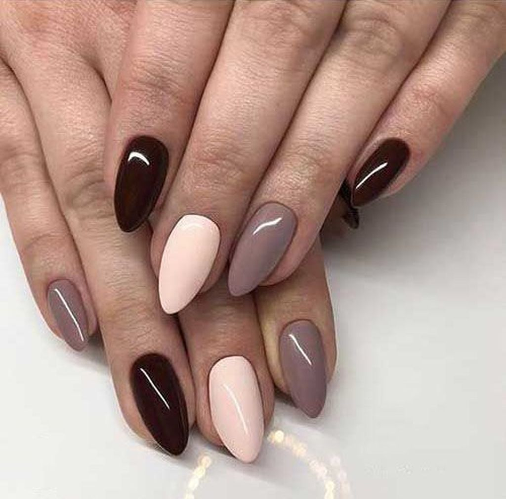 25 Easy Fall Nails Art Design For Women Over 60 Gelove Nehty Design Nehtu Umele Nehty