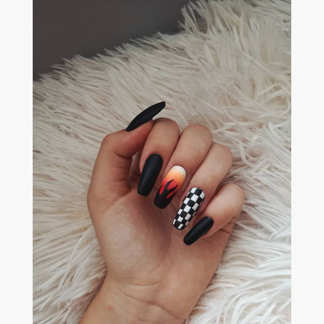 Pin By Anette On Aw Nails In 2020 Gelove Nehty Design Nehtu Nehty