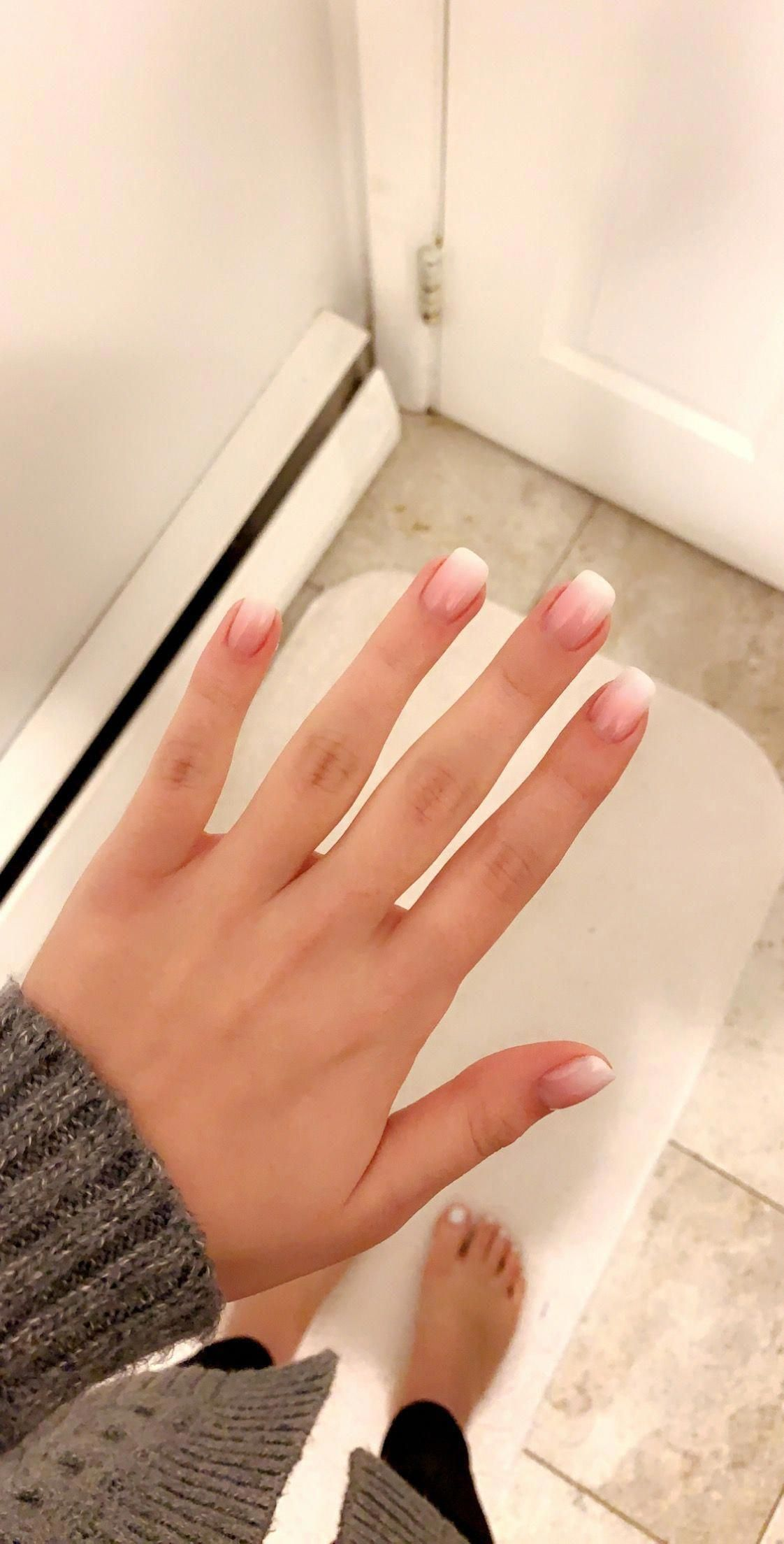 Do You Bite Your Nails Read Our Tips For Having Beautiful Nails In 2020 Nehty Lak Ruka