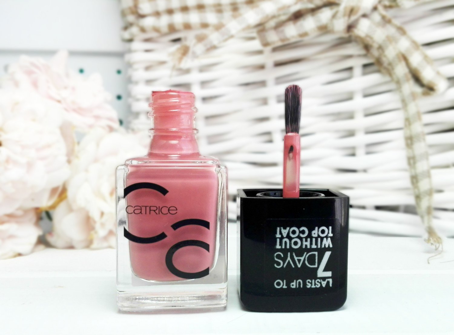 Catrice Iconails Gel Lacquer 09 Vintagged Pink Lana Talks