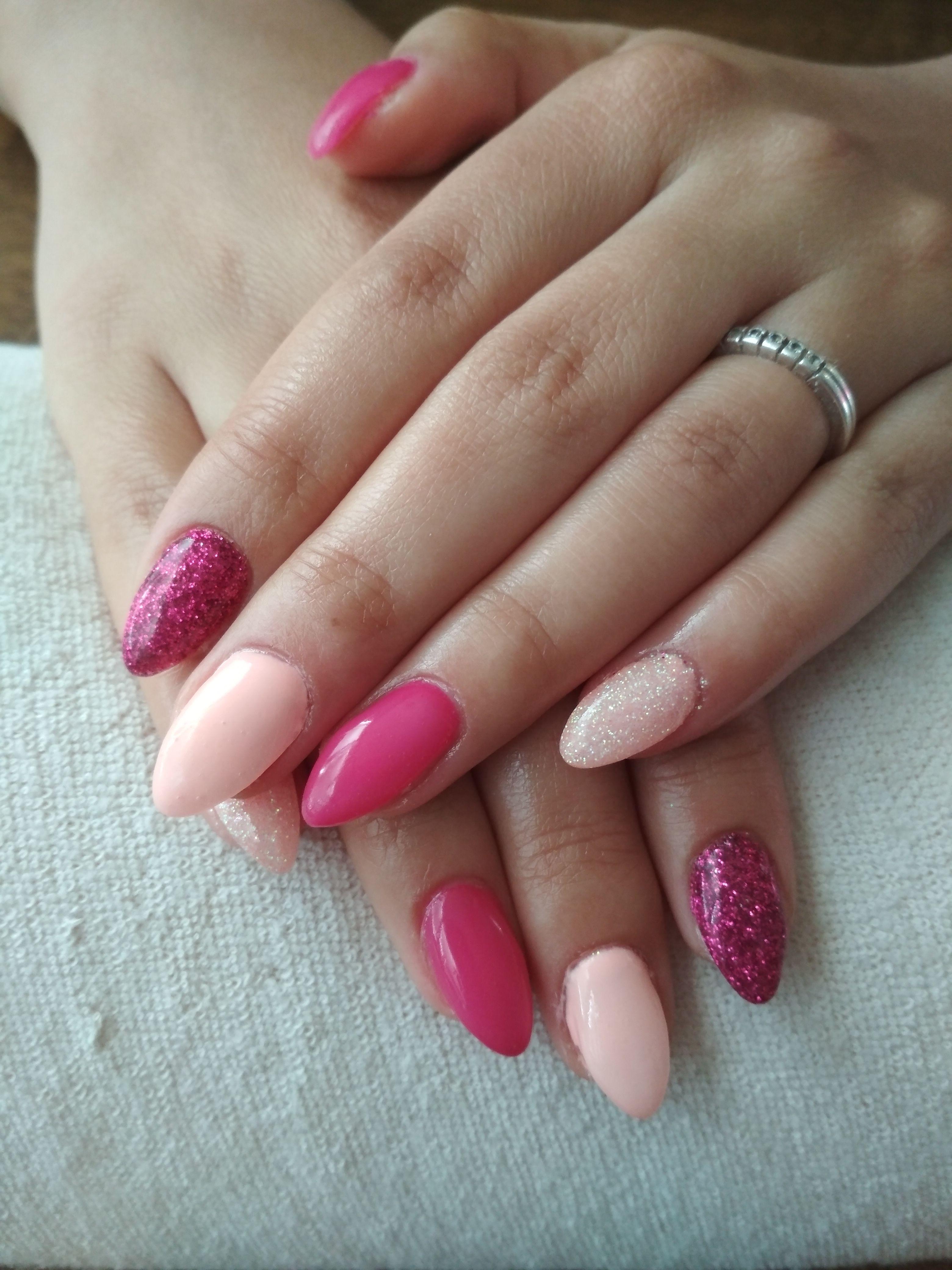 Salmon Gel Pink Gel And Pink Glitter Gelove Nehty Nehty