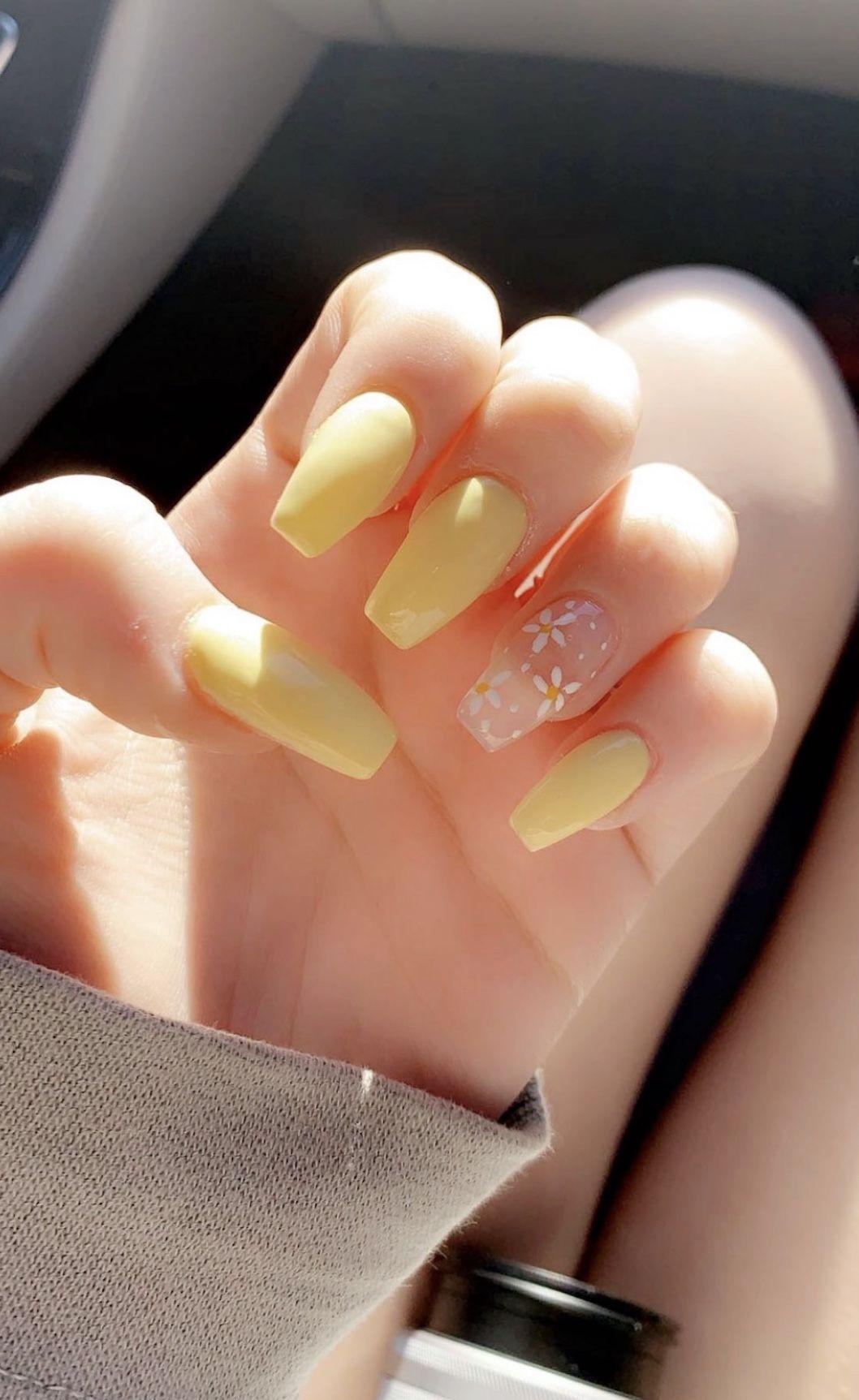 Pin By Aneta Chodzajanova On Nails In 2020 With Images Gelove Nehty Akrylove Nehty Nehty