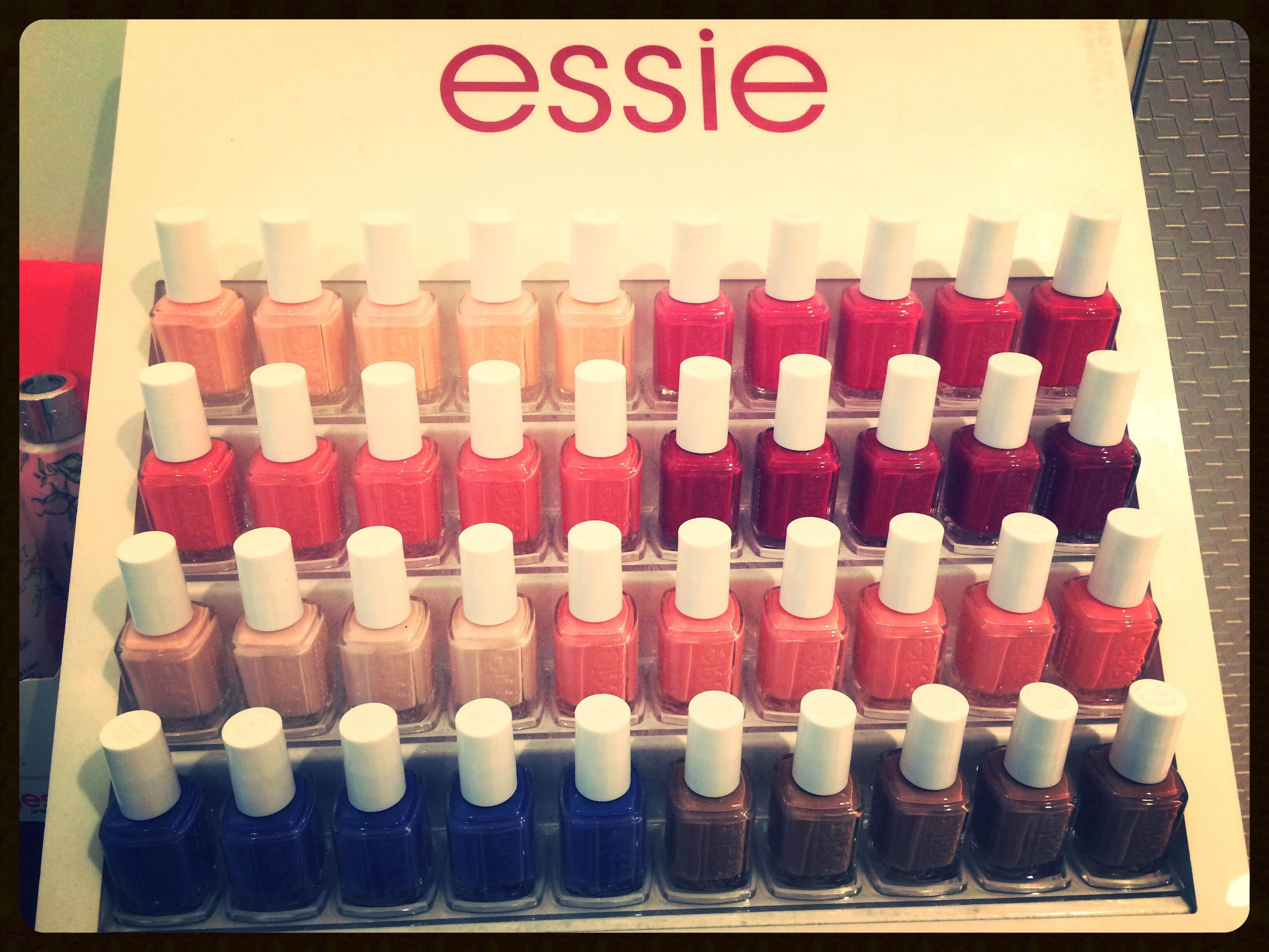Beautiful Nails By Essie Swatch I M Feeling Good