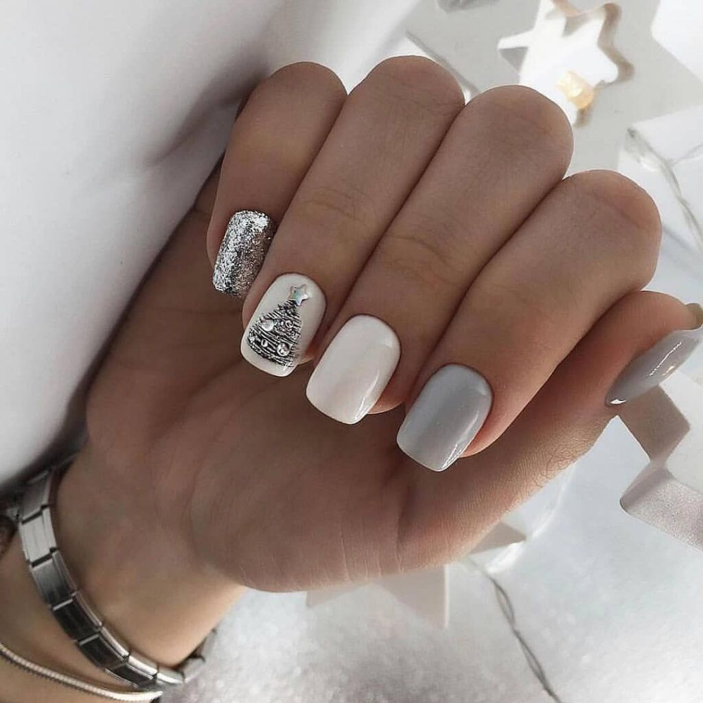 55 Stylish Nail Designs For New Year 2020 Nail Art Is Like The Icing On The Cake It Ties Your Look T Christmas Gel Nails Stylish Nails Designs Xmas Nails