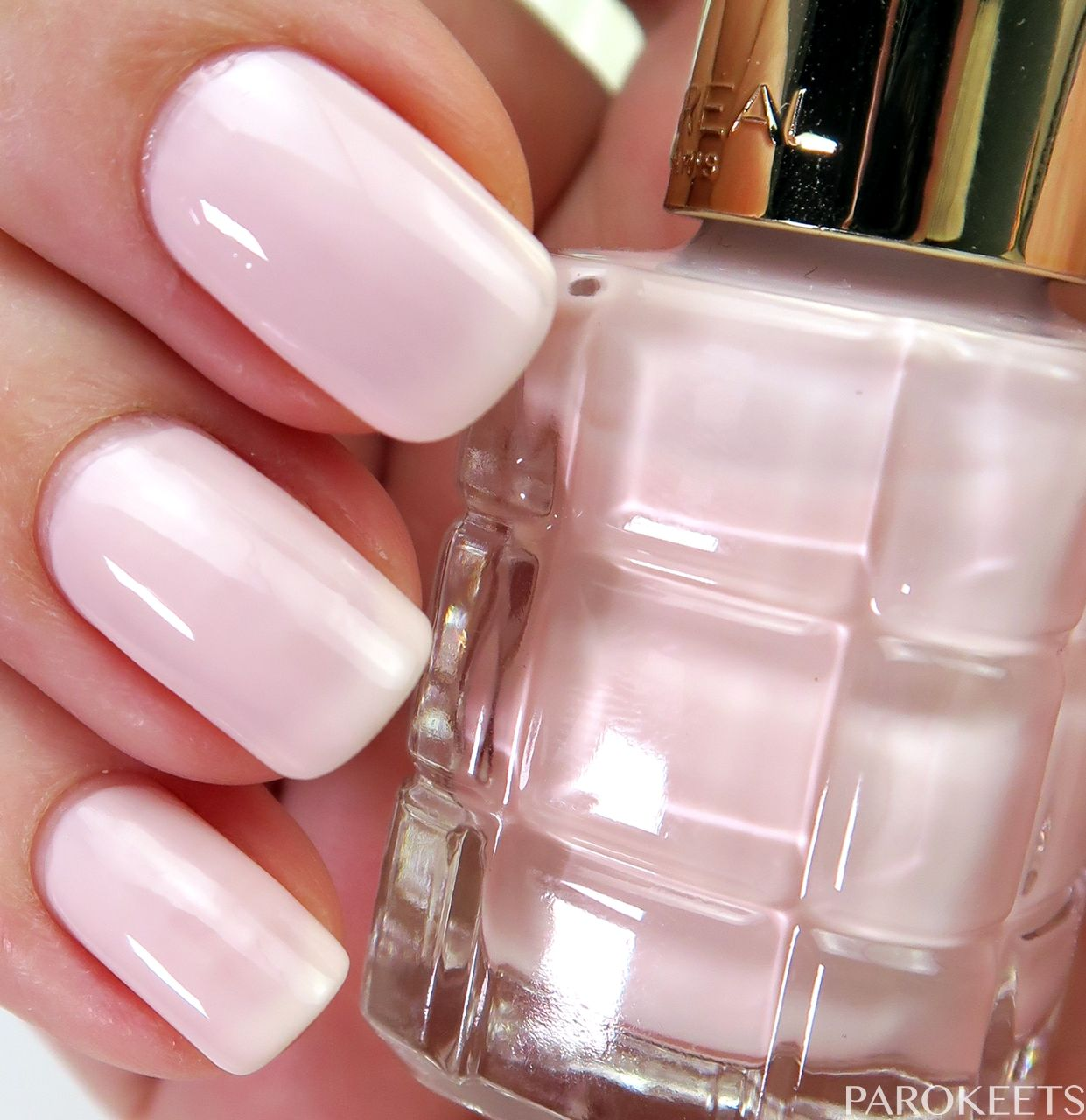 L Oreal Color Riche Le Vernis A L Huile Nail Polish Swatches Nail Polish Loreal Nail Polish Nails