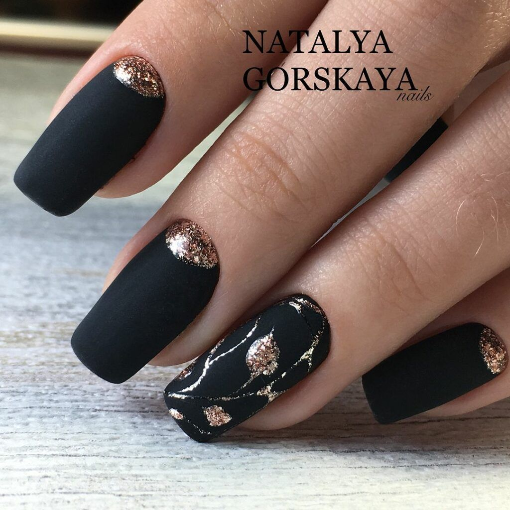 55 Stylish Nail Designs For New Year 2020 Page 132 Of 220 In 2020 With Images Nehty Manikura Krasa