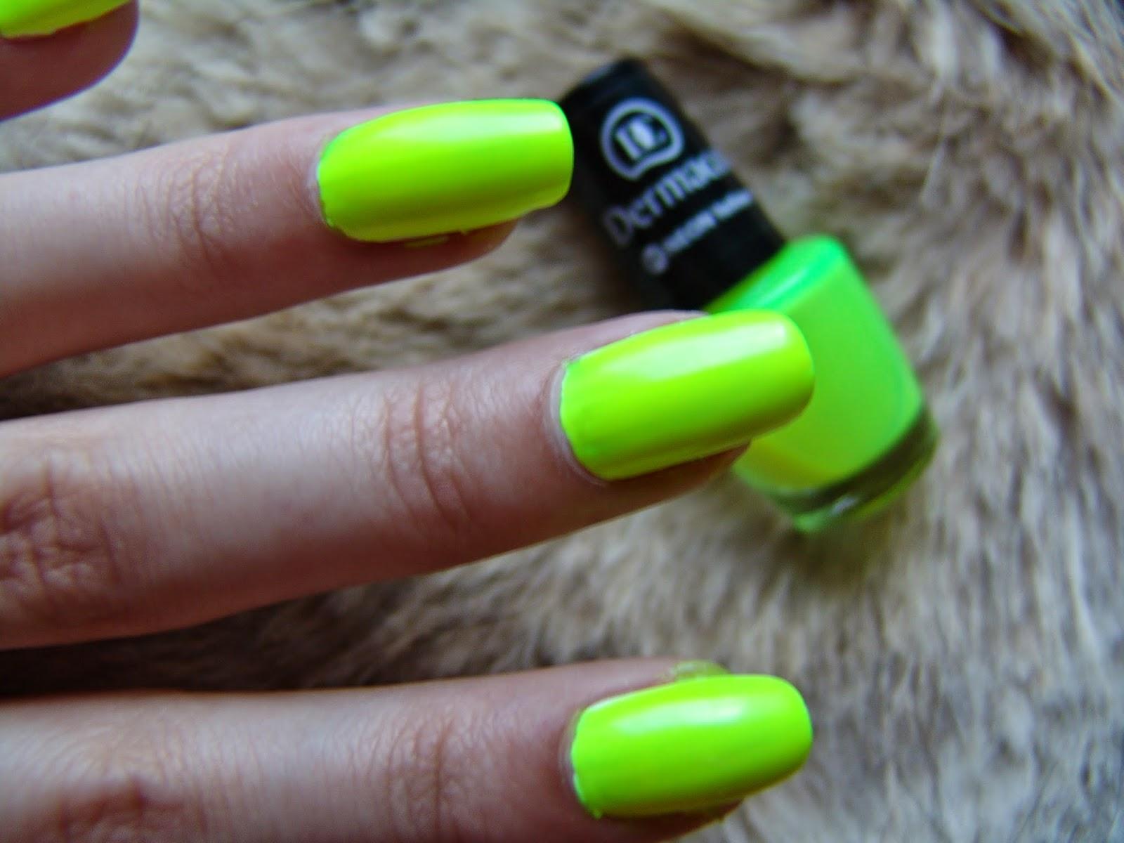 Angelina Beauty Blogger Dermacol 01 Neon Yellow Lak Na Nehty Recenze