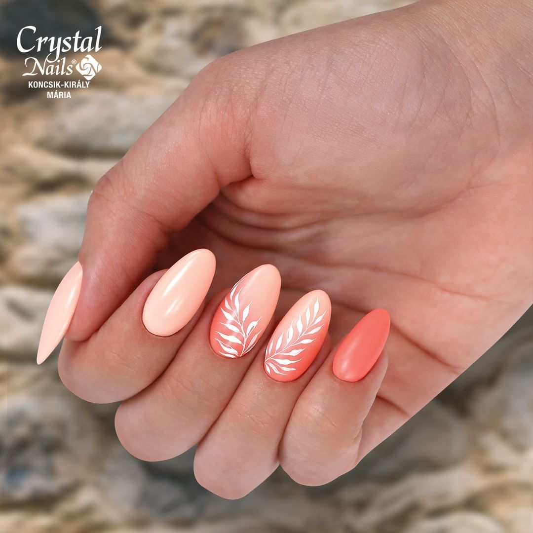 Crystal Nails Usa On Instagram Autumn Nails With 3s81 And 3s105 3 Step Crystalac Gel Polishes Follow Us Crystal Nails Official Crystalnails