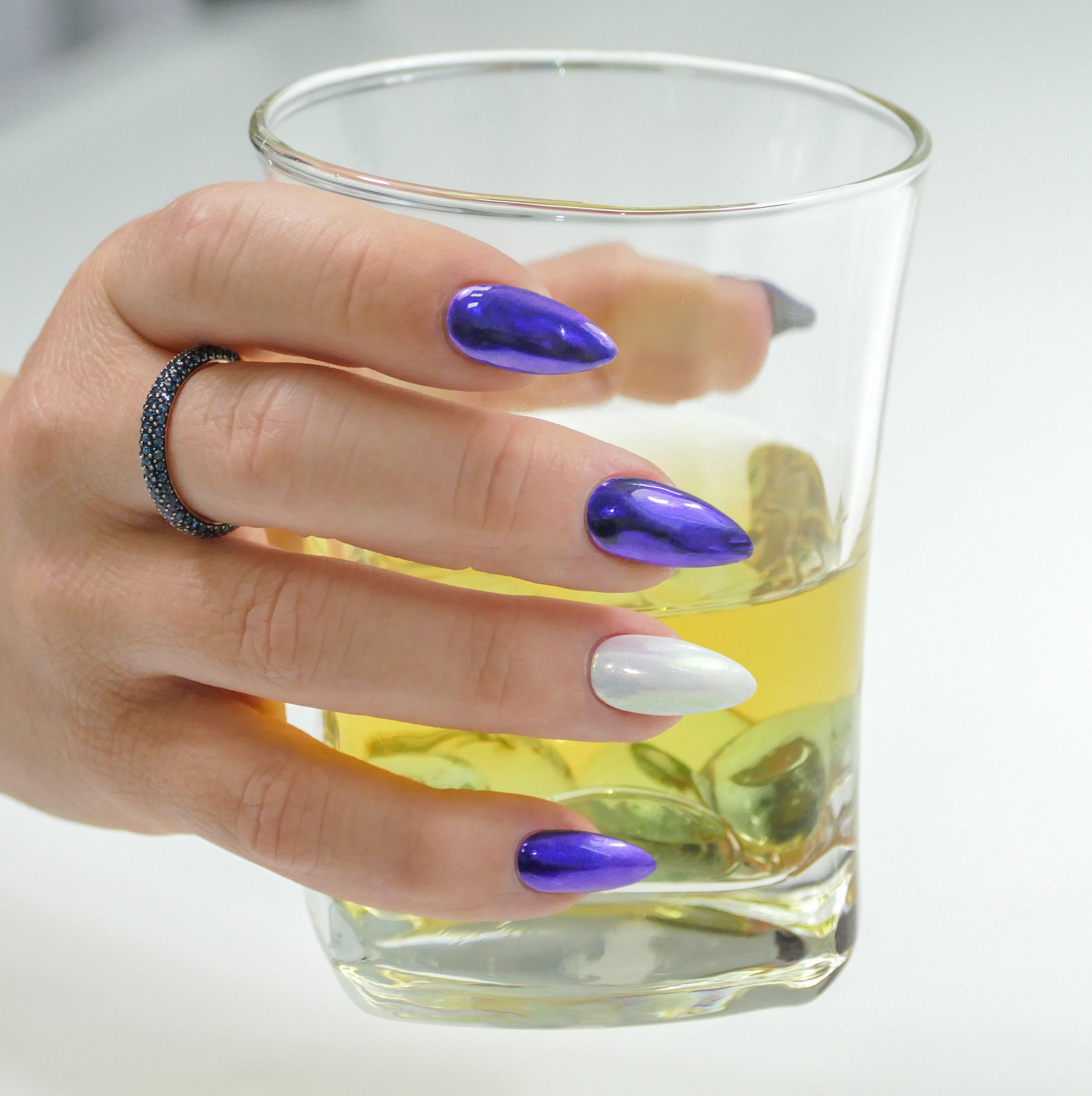 I Takto Mohou Vypadat Vase Nehty Kdyz Zvolite Produkty Naninails Manicure Nails Nailart Naildesigns Blueandwhite Nail Art Nehet Nehty