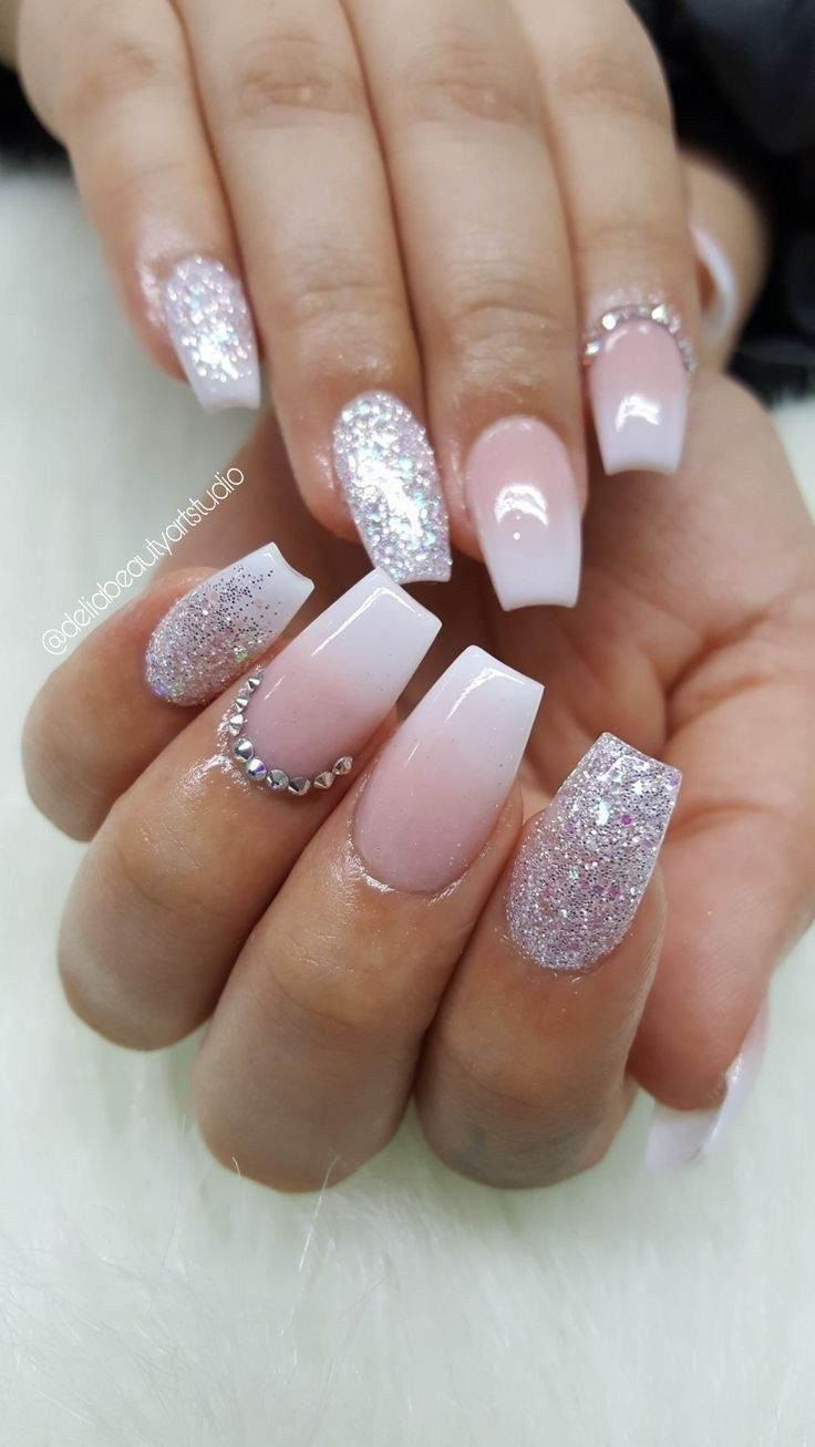 41 Great Inspiration Nail Art With Glitters To Look More Elegant Nail Ombre Nehty Gelove Nehty Design Nehtu
