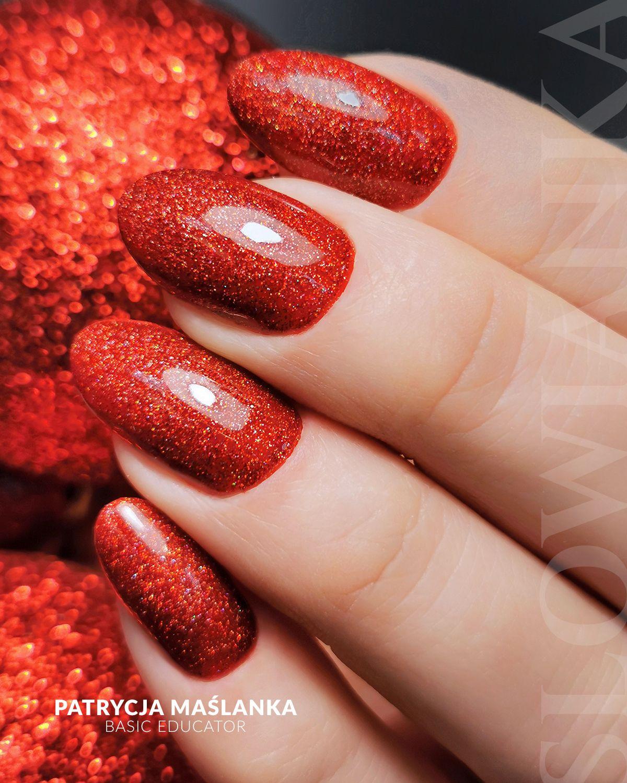 Paznokcie Czerwone Brokatowe Sylwestrowe Paznokcie Imprezowa Stylizacja Paznokciowa Paznokcie Pomysly Na Paznokcie Design