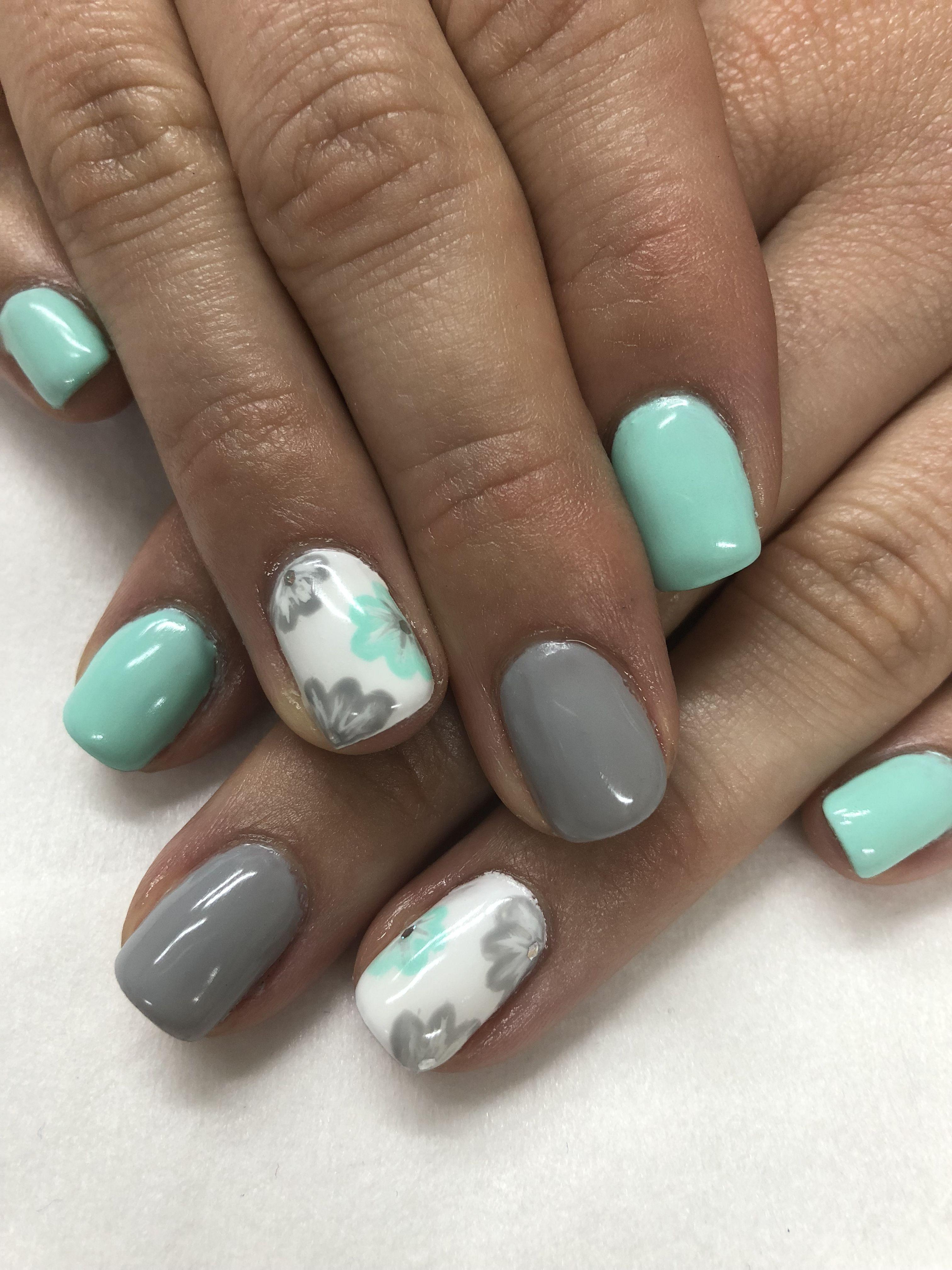 Mint Grey Hand Painted Flower Spring Gel Nails Gelove Nehty Design Nehtu Nehty