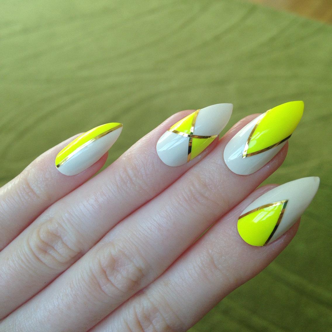 Magic Nails Specialista Na Nehty Gelove Akrylove I Prirodni Hit Letosniho Leta Neonove Barvy