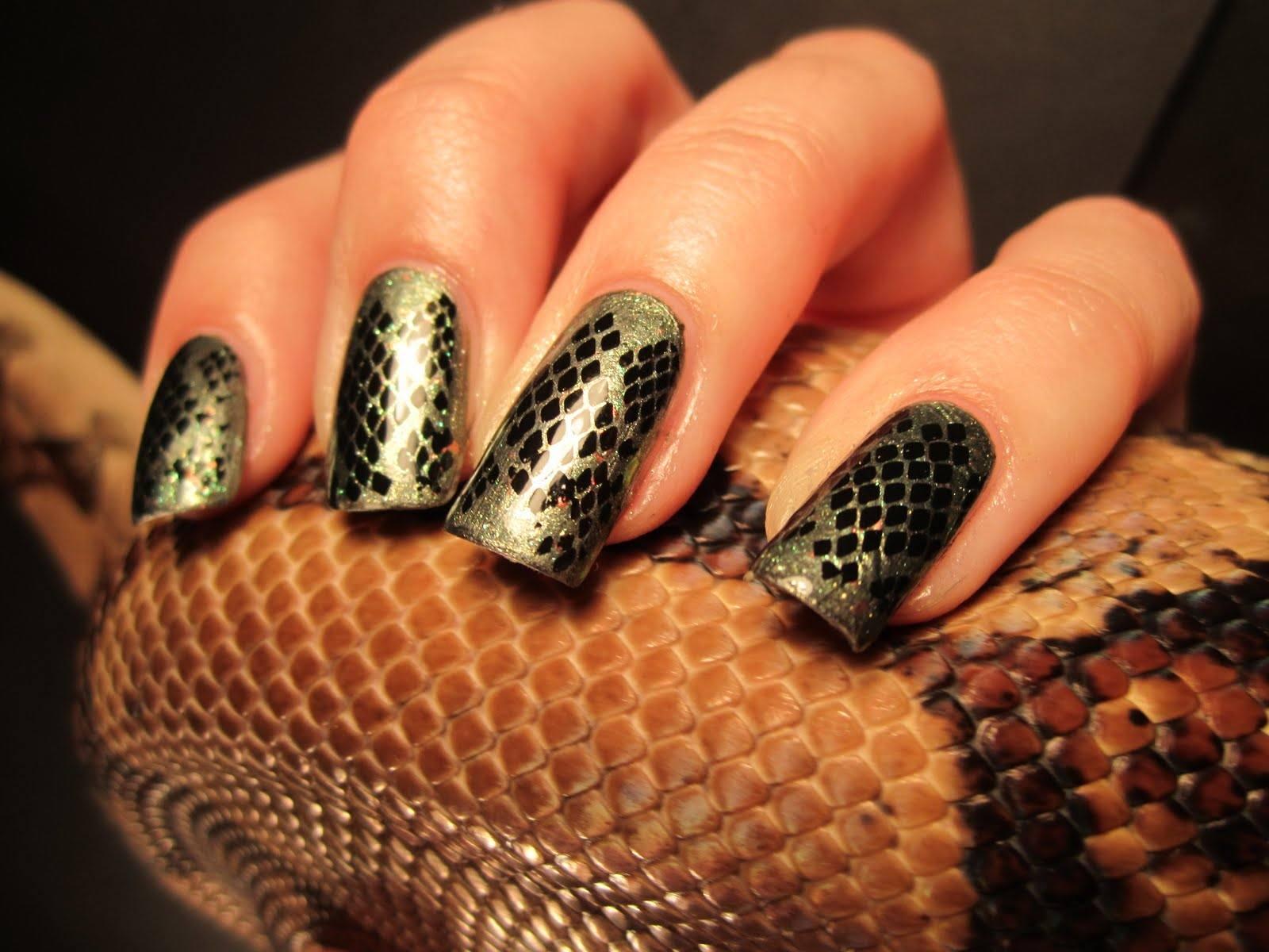 Snake Manicure Exoticky Tisk Ve 100 Napadech Na Modni Design Confetissimo Blog Pro Zeny