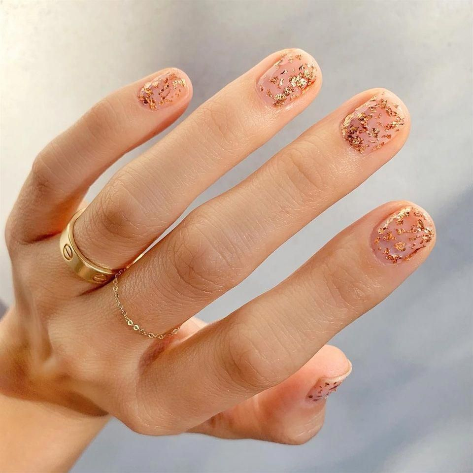 Make An Original Manicure For Valentine S Day With Images Manikura Nehty Trendy