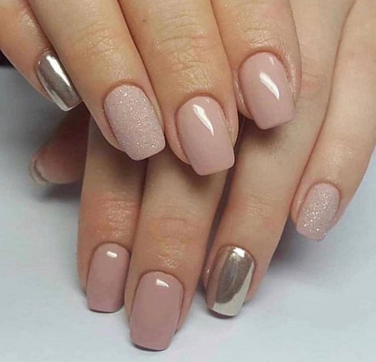 Nail Ideas And Inspiration Nails Looks Including Acrylic Gel Matte Glitter And Natural Gold Nails Nail Design A Zlate Nehty Nehet Vzory Na Akrylove Nehty