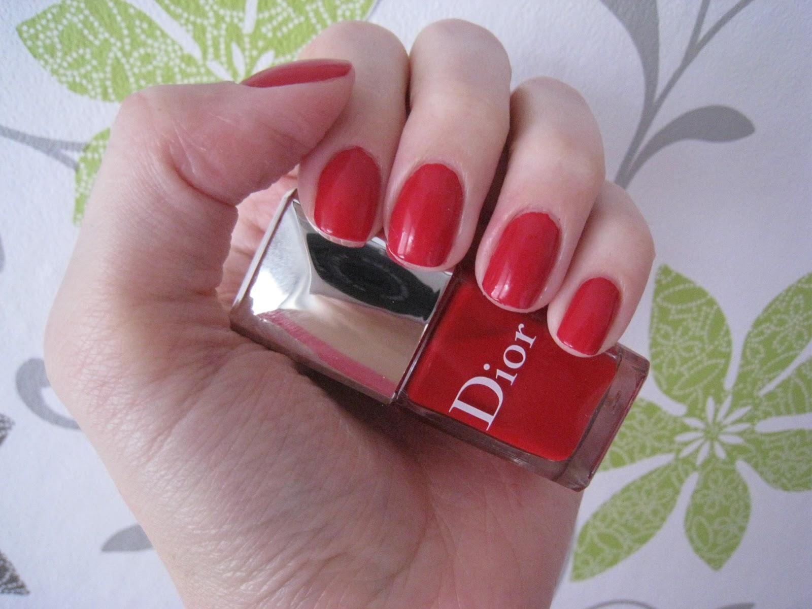 Zivot Na Vysoke Noze Dior Nail Enamel Lipstick