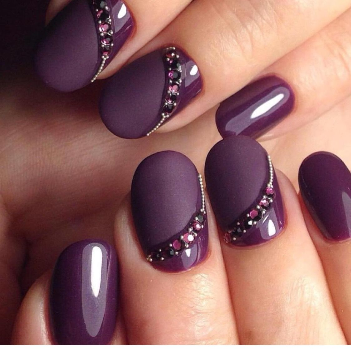 Elegantly Done Nails Love The Subtle Sophistication Nails Nehty Uprava Nehtu A Design Nehtu
