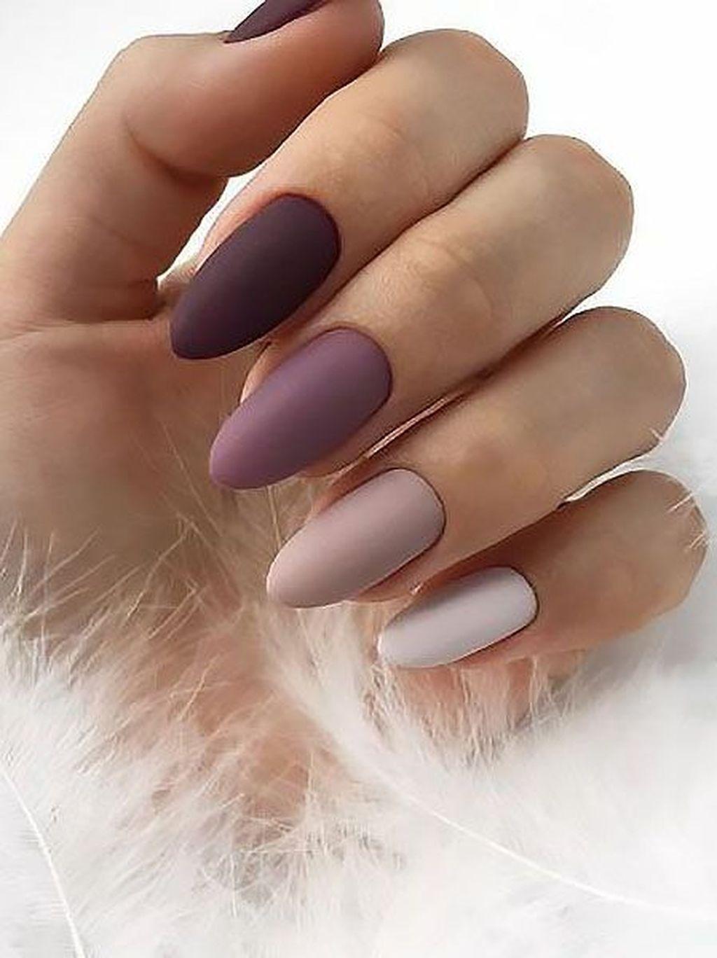 30 Inspiring Winter Nails Color Trend 2019 Cervene Nehty Umele Nehty Gelove Nehty