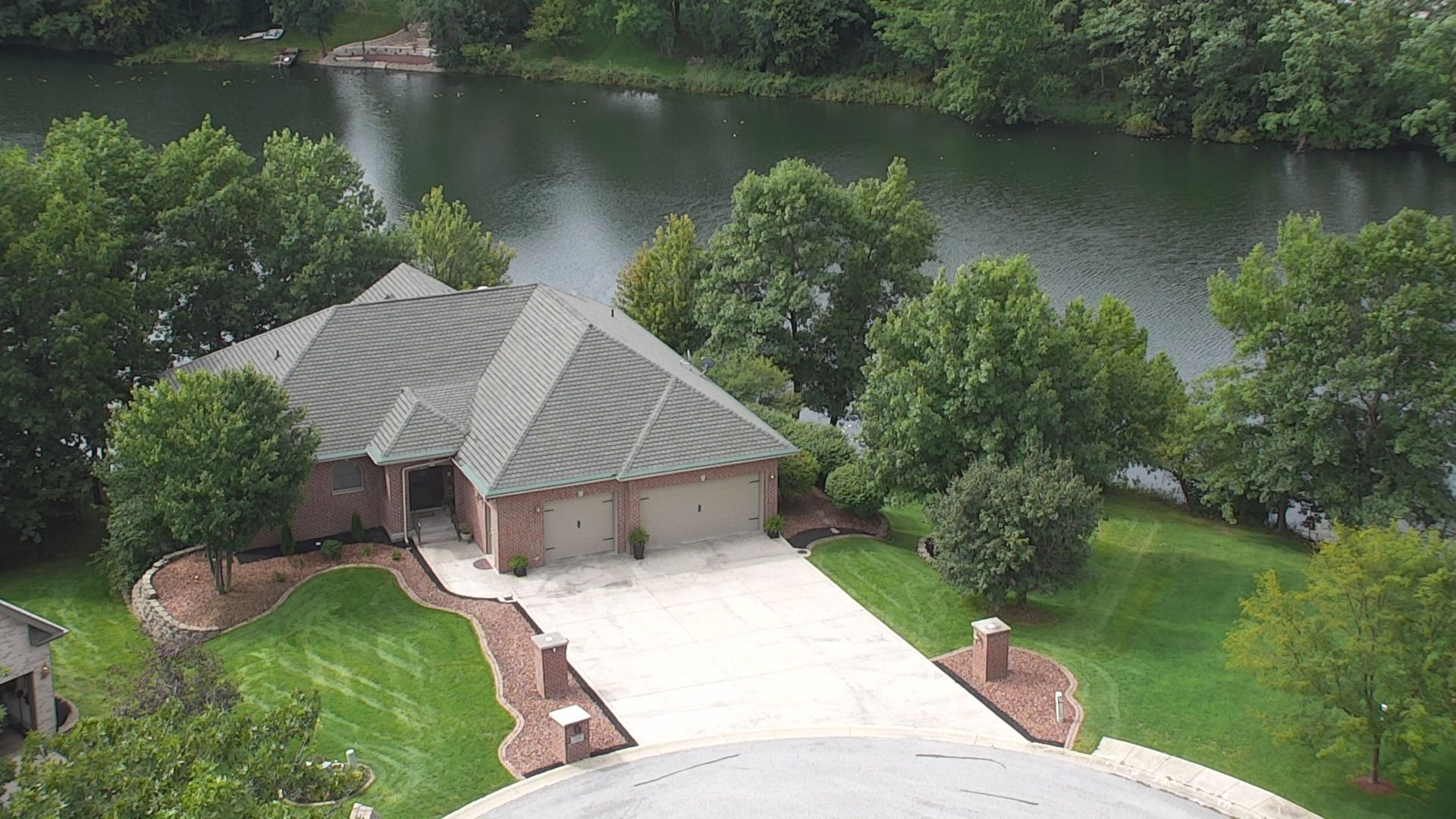 Waterfront Lakes Of The Four Seasons Crown Point Waterfront Homes For Sale 4 Homes Zillow