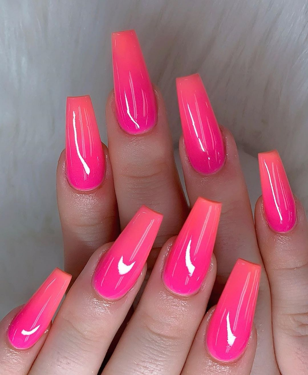51 Pretty Crystal Nails Art Designs In Summer 2019 With Images Gelove Nehty Nehty Ruzove Nehty