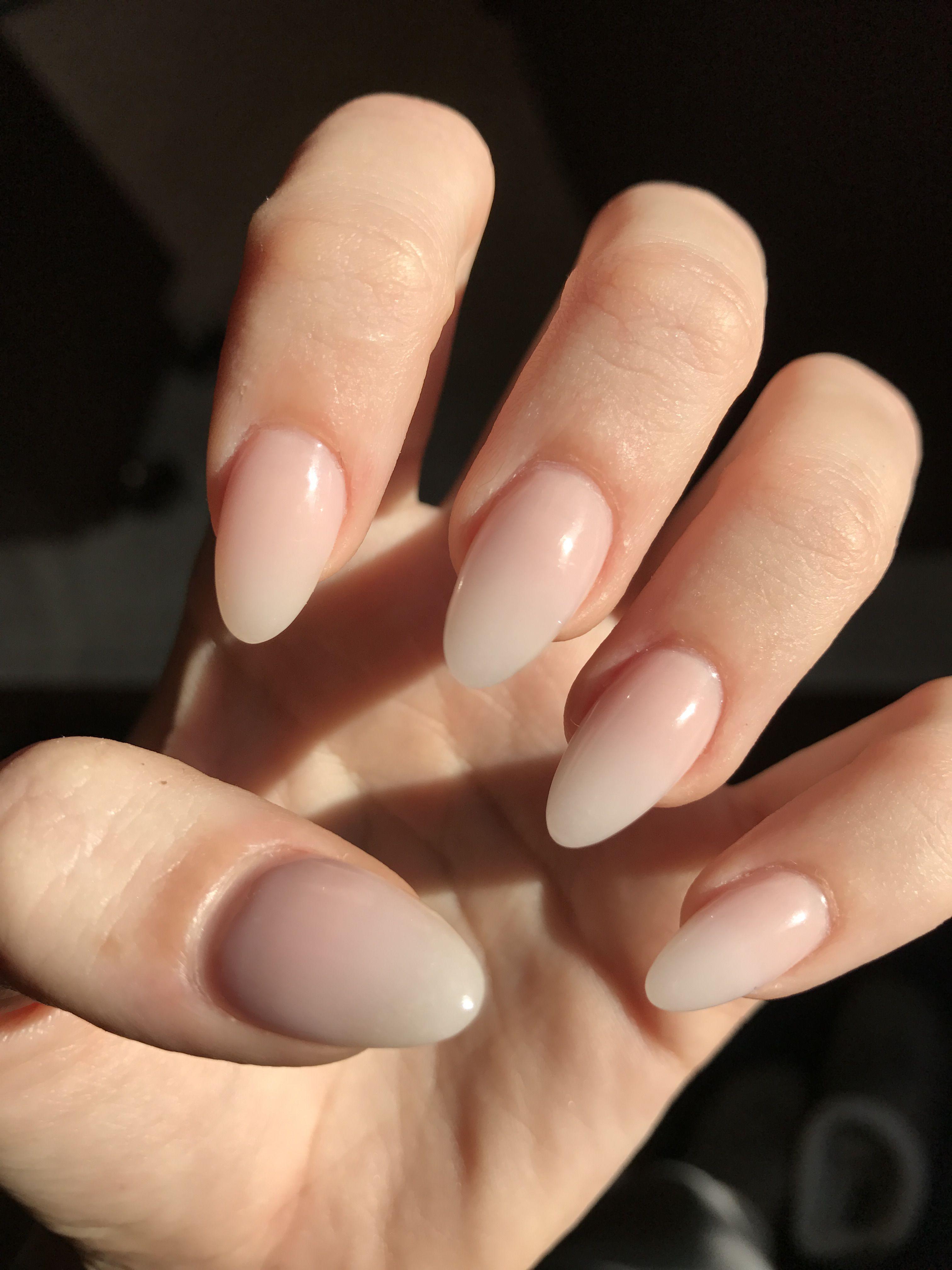 Natural Ombre Almond Nails Nehet Bezove Nehty Vzory Na Akrylove Nehty