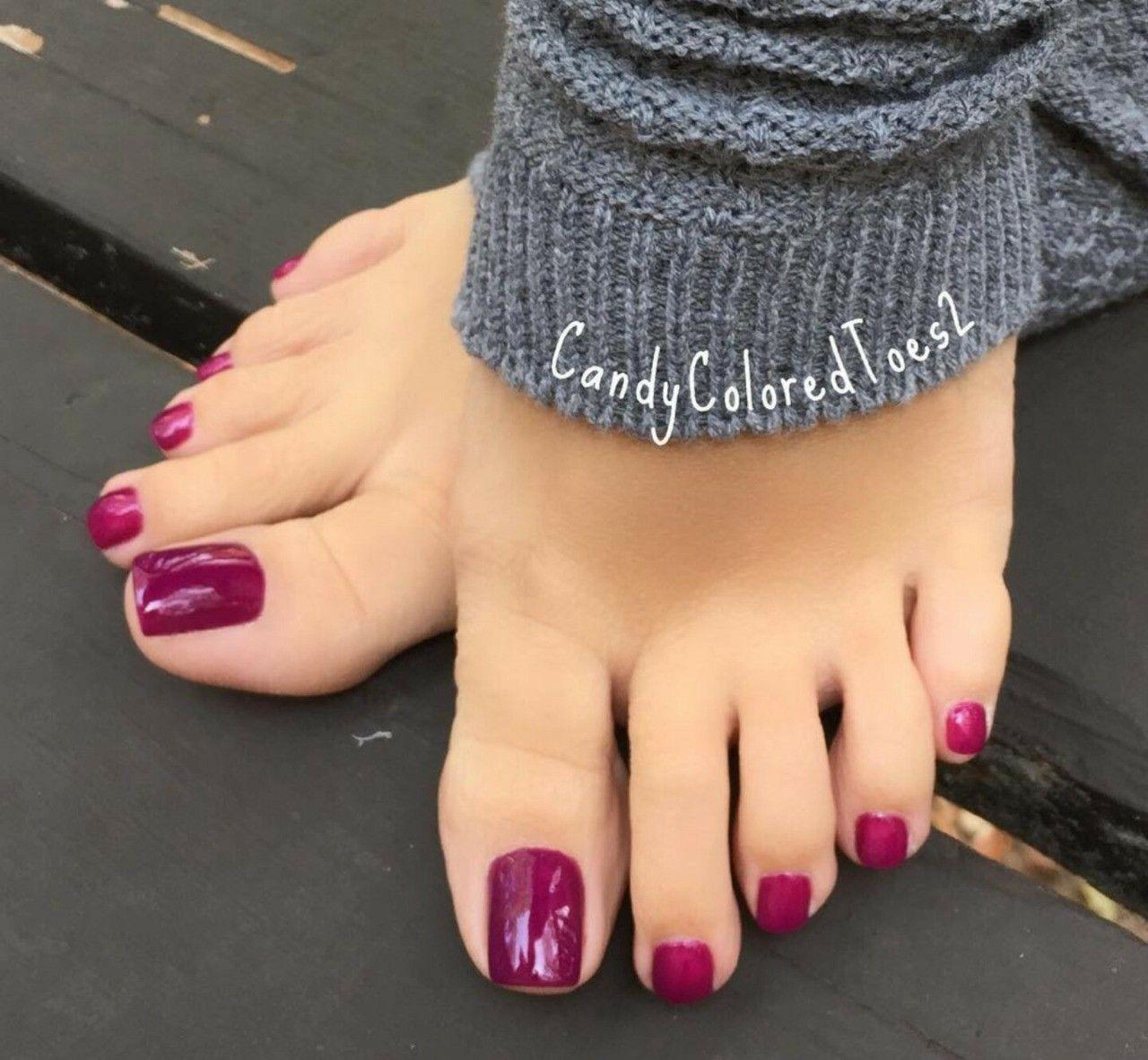 Pin By Slunecnice On Pretty Feet Toez Simple Toe Nails Pretty Toe Nails Toe Nail Color