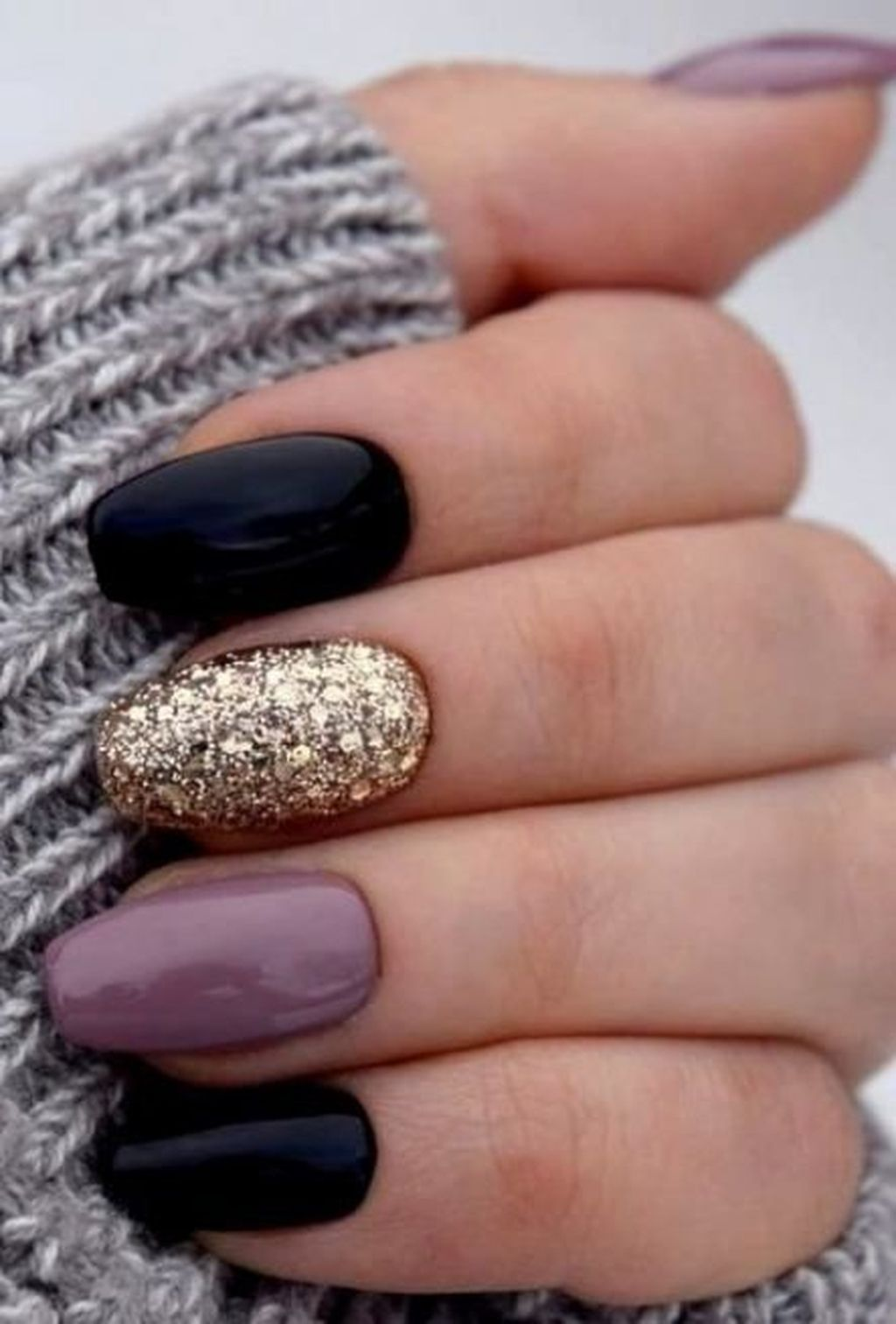 30 Best Winter Nails Ideas To Wear This Year Gelove Nehty Design Nehtu Umele Nehty