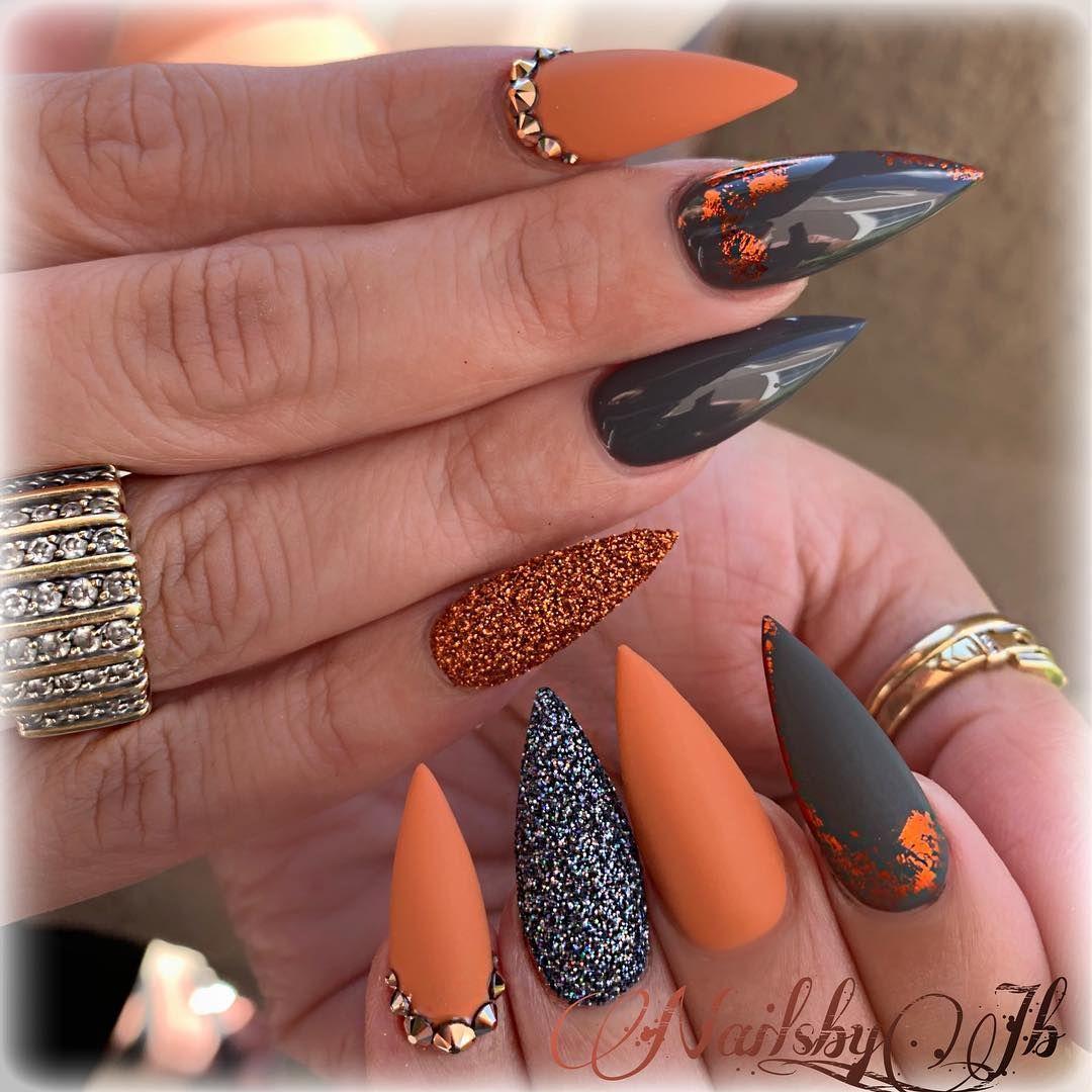 Image May Contain 1 Person Closeup Stilleto Nails Bling Nails Pointy Nails