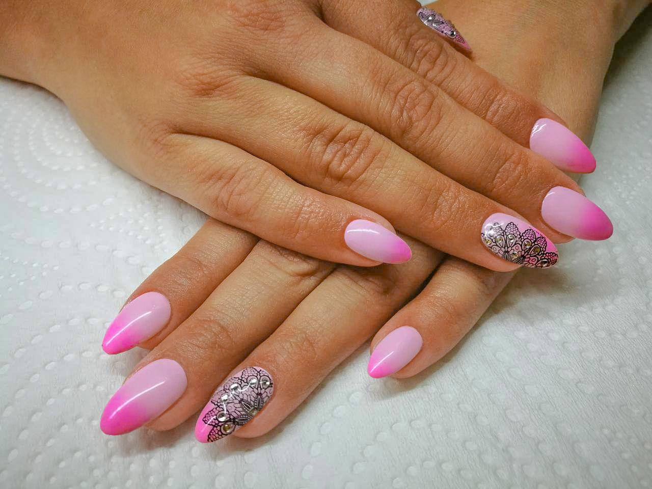 Jemna Krajka A Fantasticke Ombre Vytvorene Gel Laky Neonail Thermo Color Takove Proste Chcete Pink Ombre Lace Manicure Nails Nailar Color Nails Gel