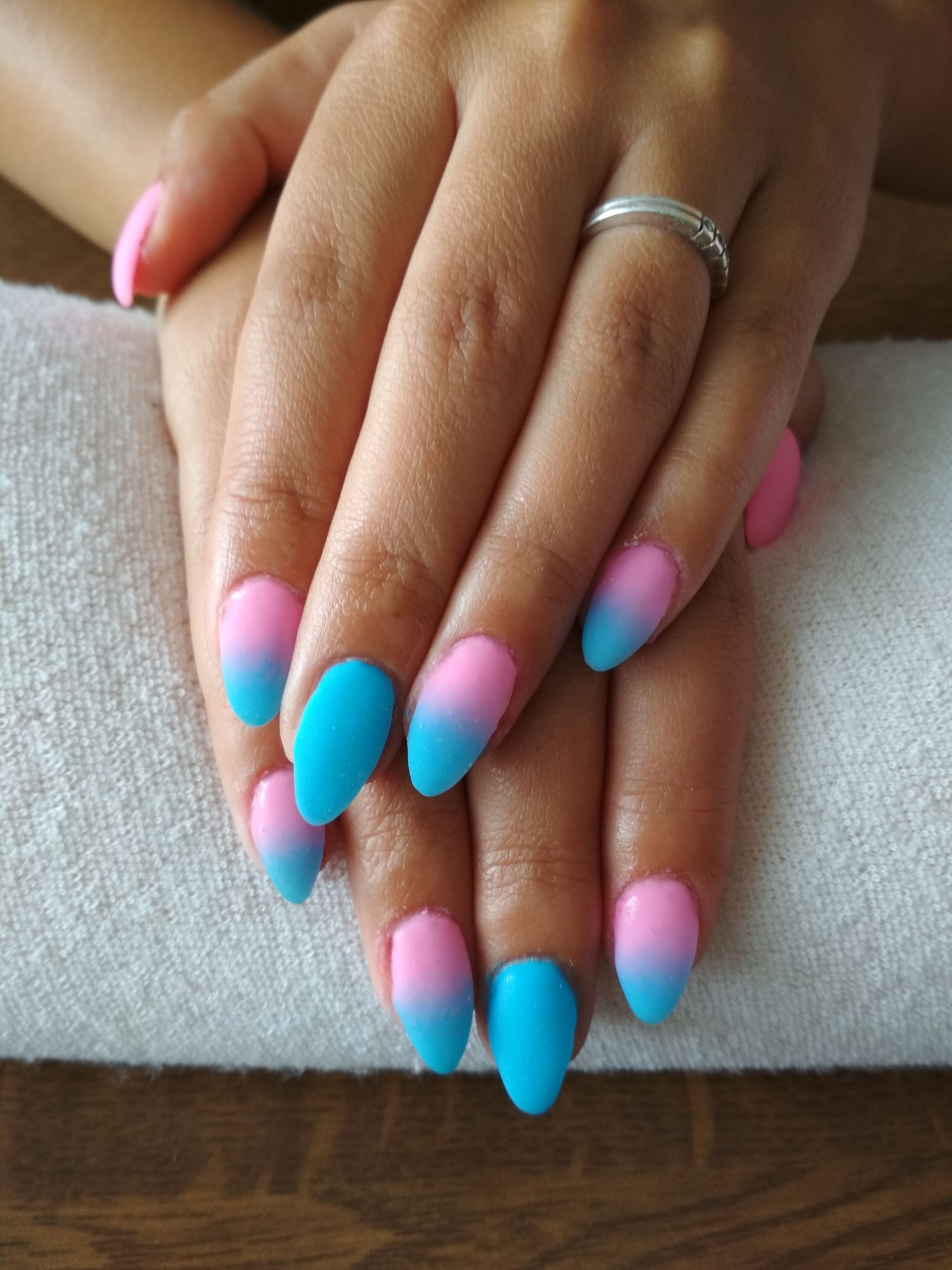 Blue And Pink Ombre Blue And Pink Gel Nehty Gelove Nehty