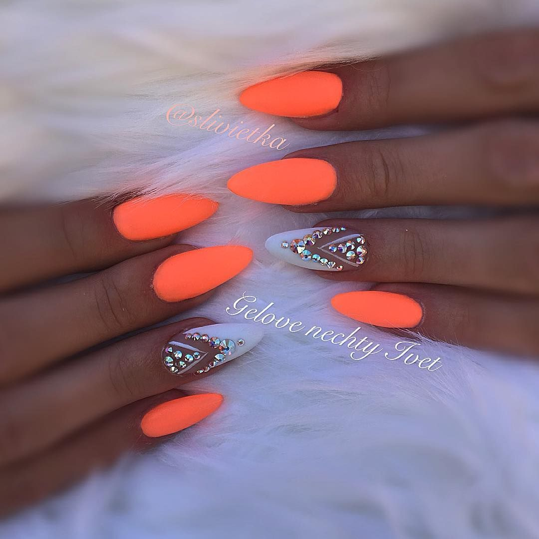 Neonnails Neon Summernails Swarovskicrystals Swarovski Swarovskinails Orange Orangenails Nailsprodigy Nailart Naildesing Design Nehtu