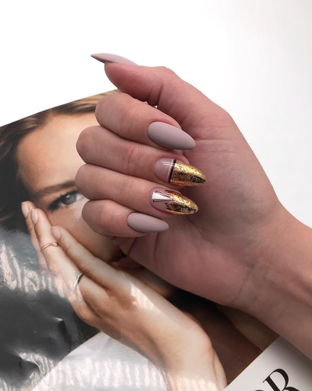 25 Matte Nail Designs In Winter 2019 In 2020 Gelove Nehty Design Nehtu Nehty