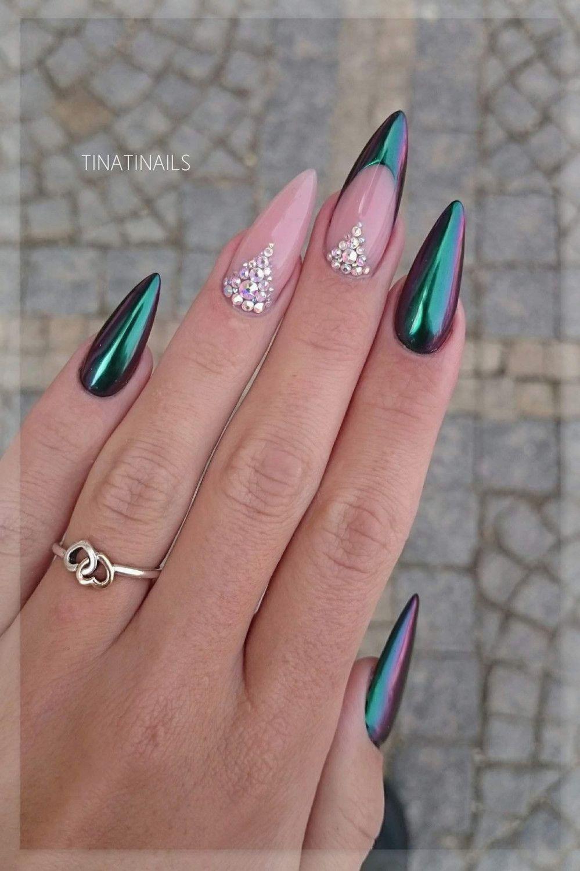 24 Pink Nails With Rhinestones In 2020 Zlate Nehty Nehty Stiletto Design Nehtu