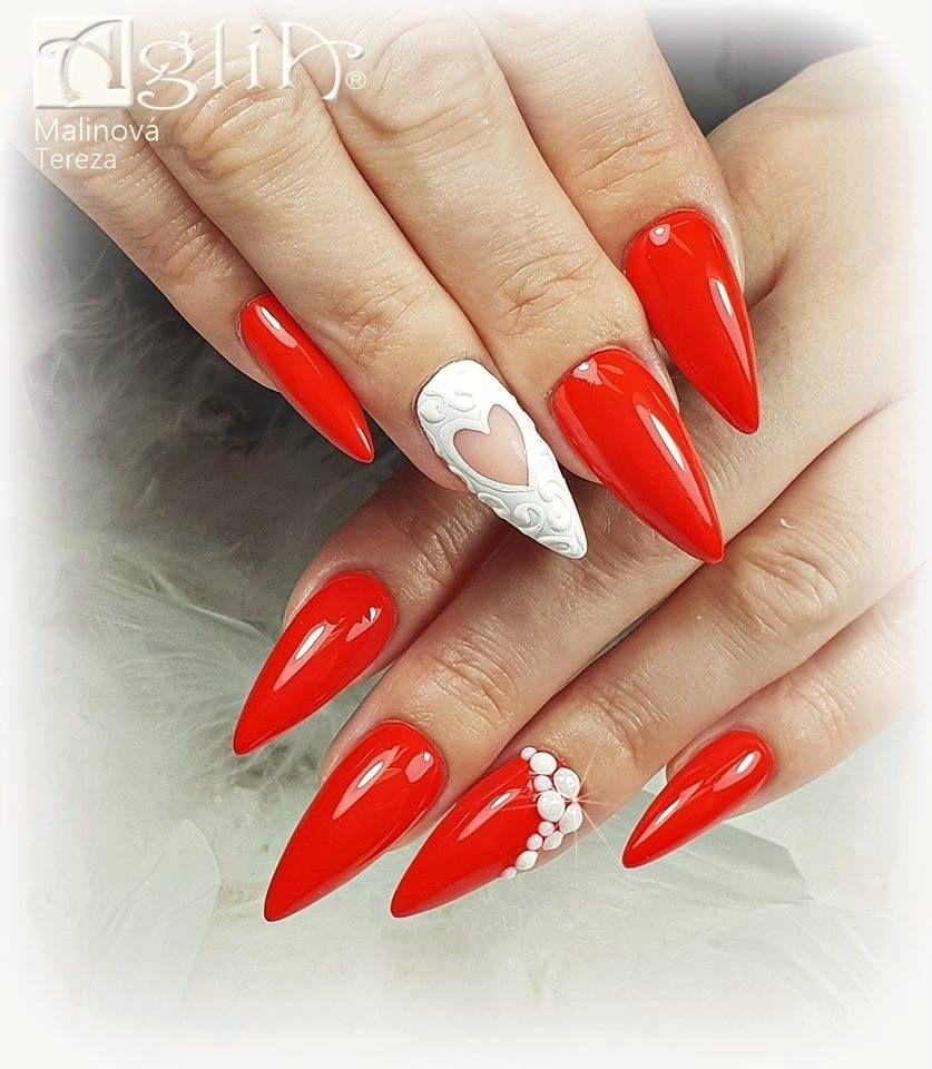 Na Nehty Byla Pouzita Oblibena Chilli Red Modelaz S Gelem Still Shape Clear A Lesk Byl Vytvoren Pomoci Vrchniho Gelu Extreme Top S Cervene Nehty Nehty Cervena