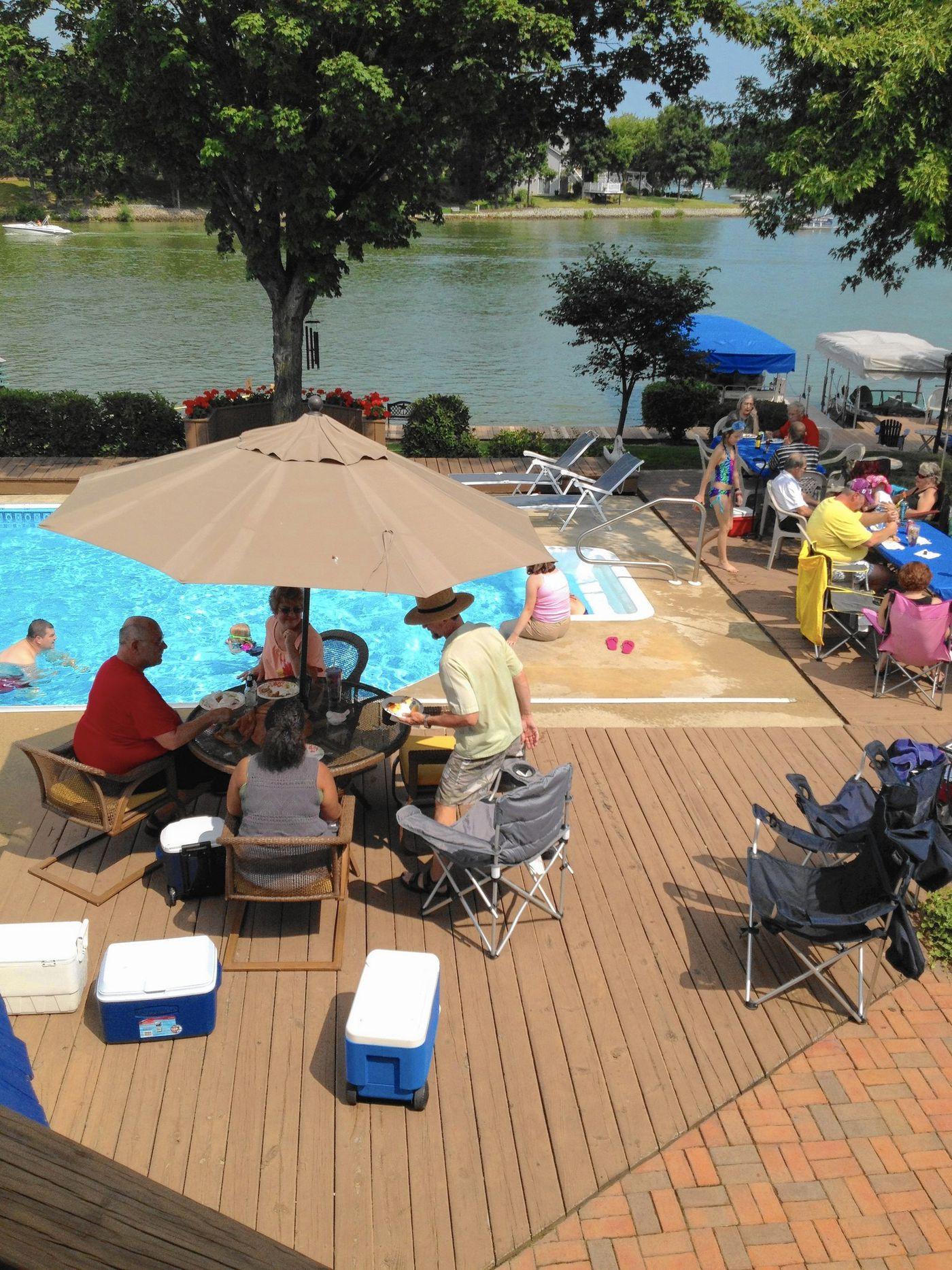 Lakes Of The Four Seasons Turns 50 Amid July 4 Celebration Chicago Tribune