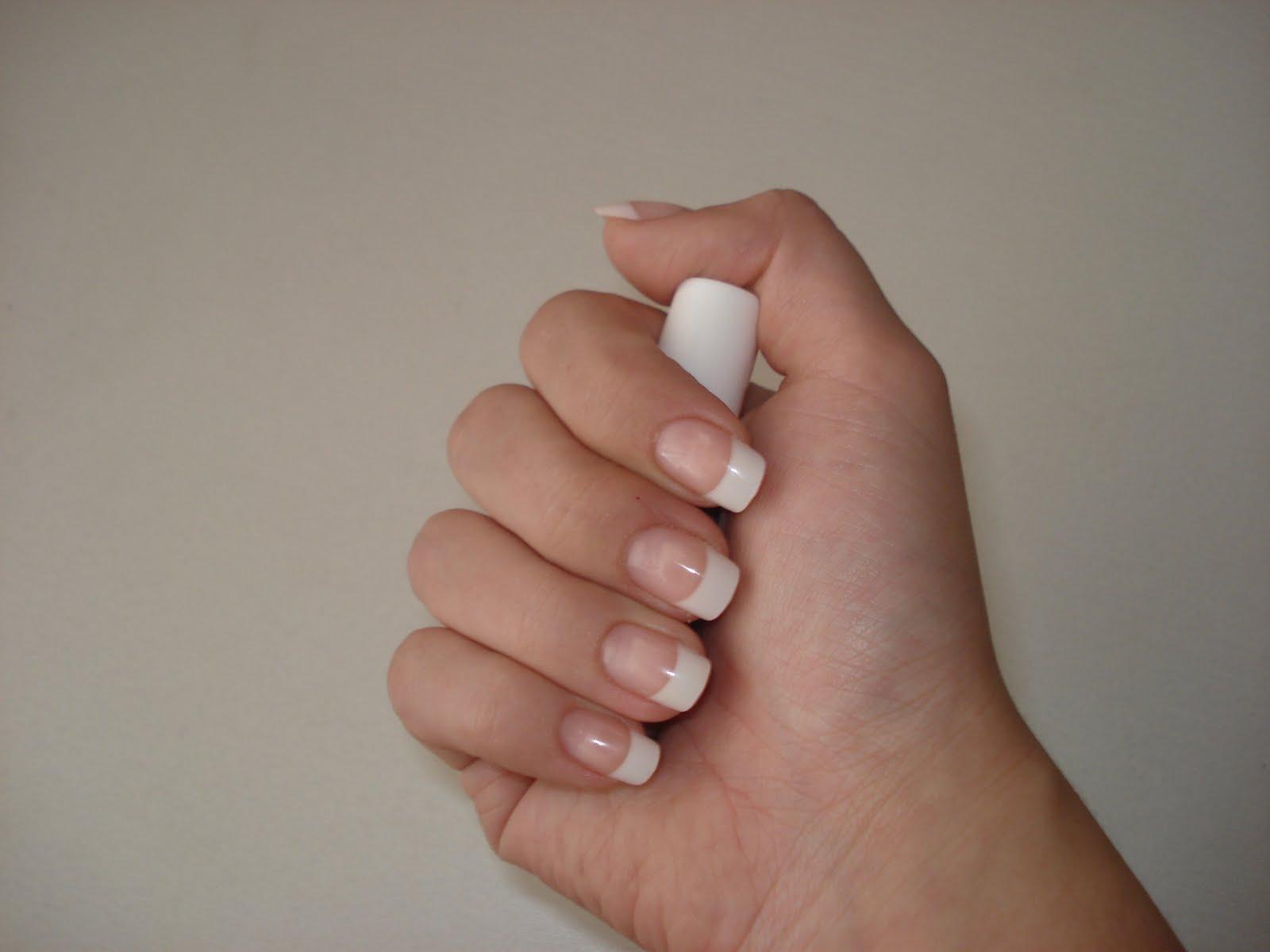 Zlatosfera Flawless Nails Revlon Nails