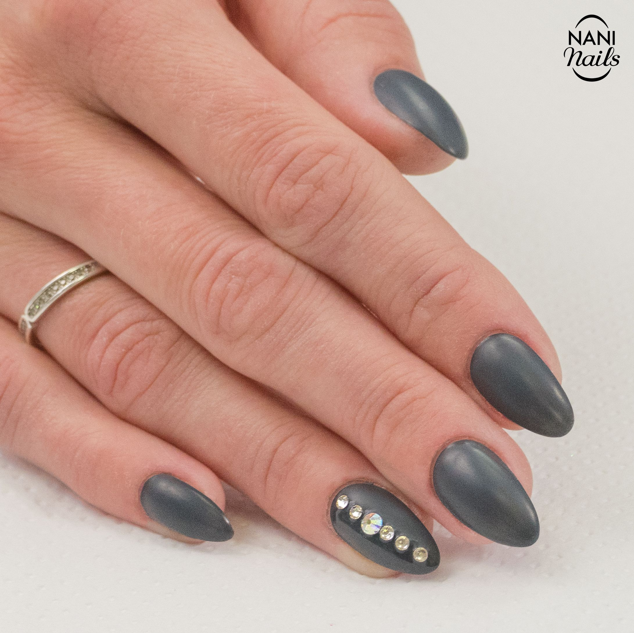 Back To Black Manicure Nails Swarovski Blacklove Gray Naninails Nehet Nail Art Manikura