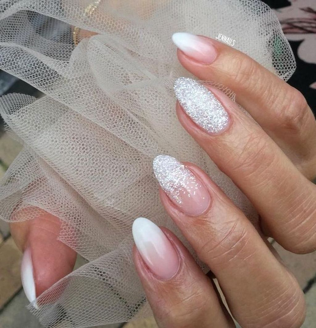 30 Affordable Wedding Nail Art Ideas For Brides In 2020 With Images Bile Nehty Gelove Nehty Design Nehtu