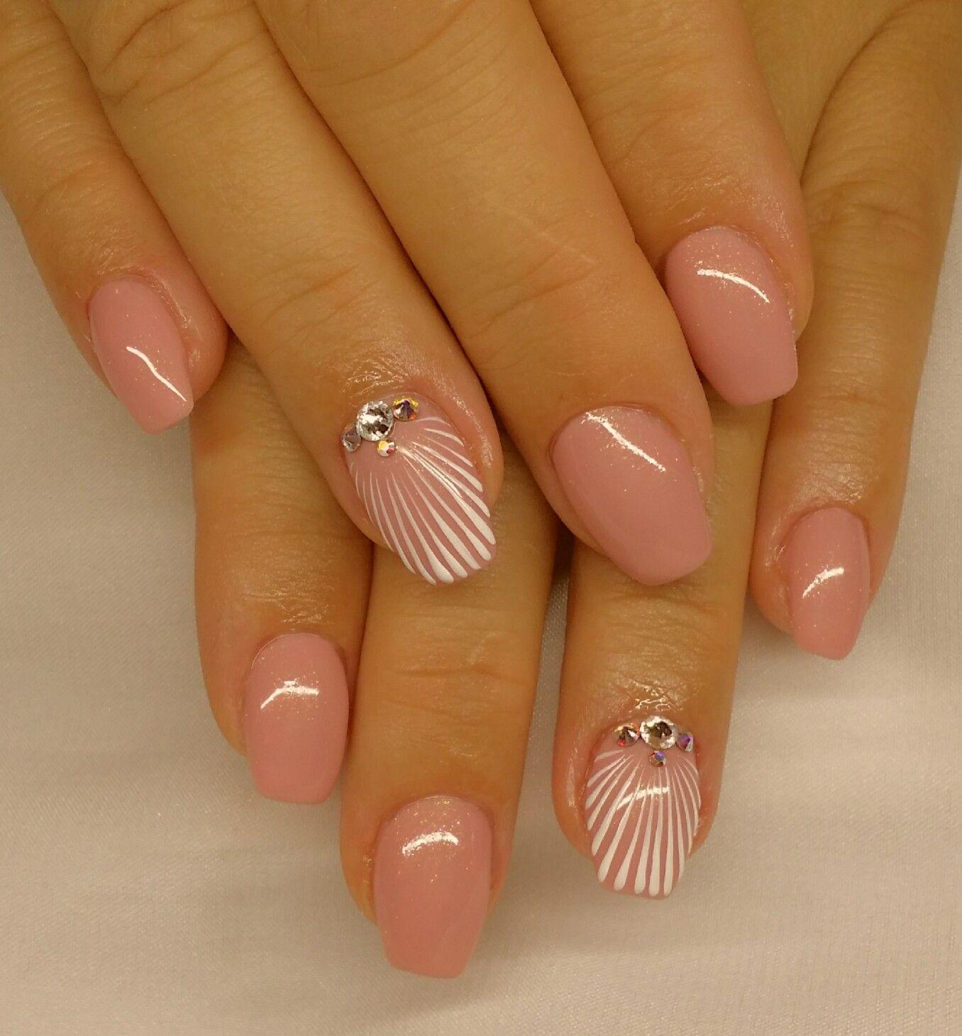 Galeria Zseles Mukorom Porcelan Mukorom Gel Lakk Manikur Pedikur Kepek Slynails A Legnagyobb Kormosszalo Elegant Nail Art Elegant Nails Pink Gel Nails