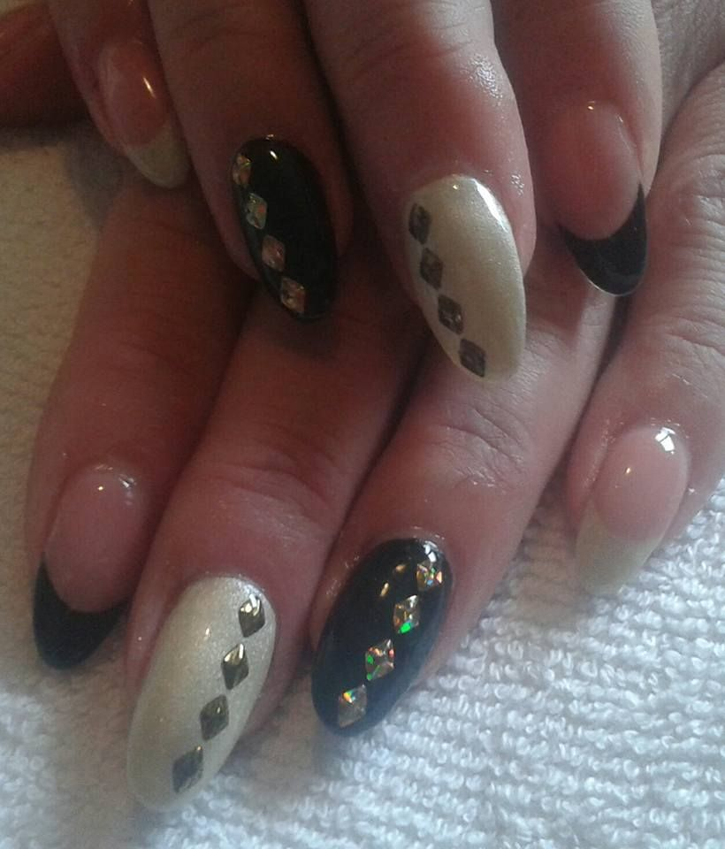 Black And White Nails Nehty