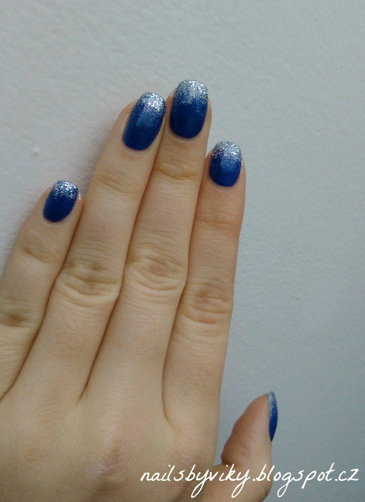 Nails By Viky 1 Adventni Nedele Trpytive Ombre Na Modre