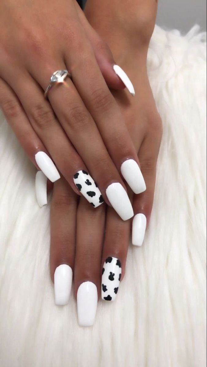 Leuke Nagels In 2020 Acrylic Nails Coffin Short Cow Nails Square Acrylic Nails