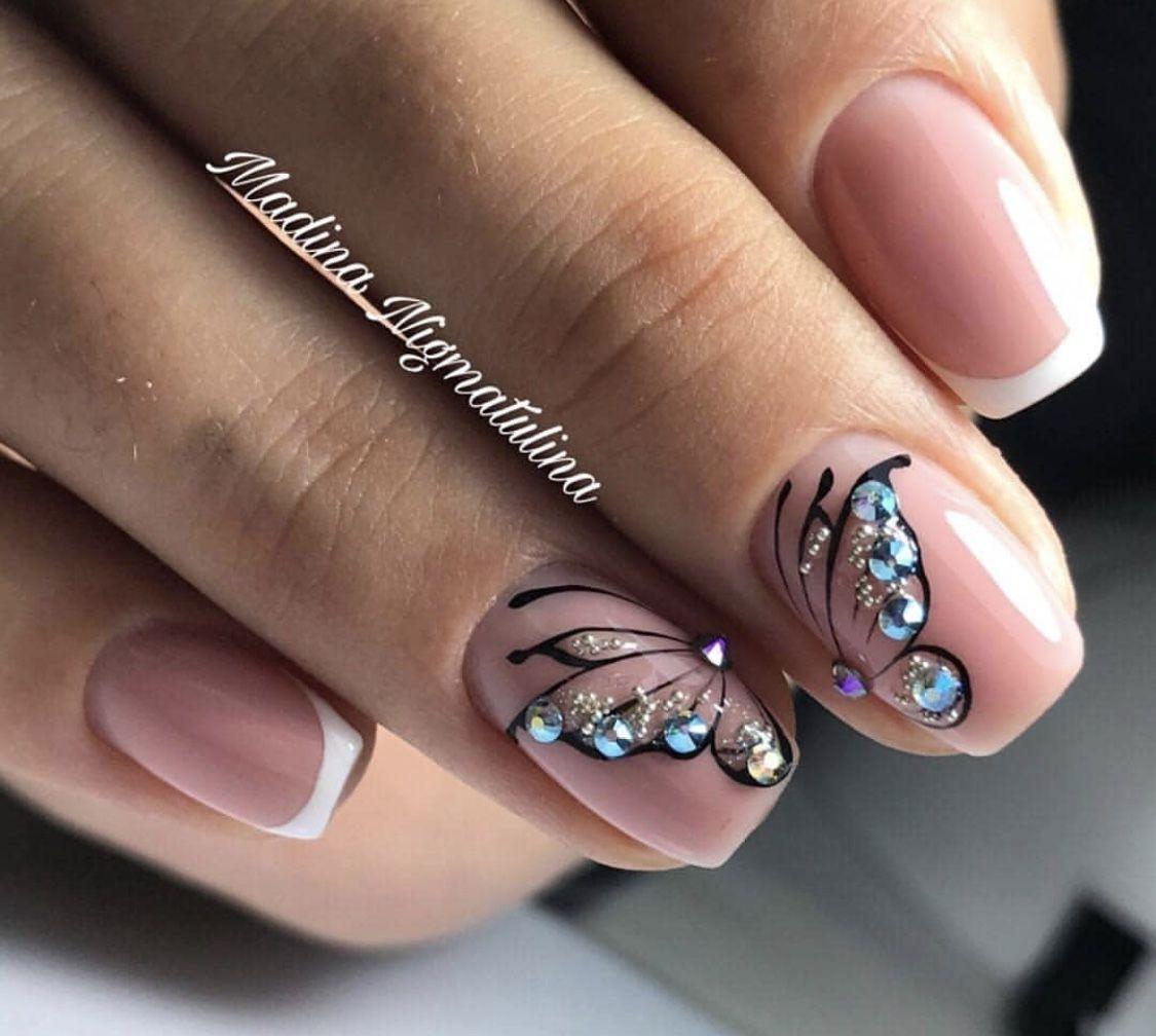 Pin De Marie Janeckova En Manicure Ideas Manicura De Unas Unas Con Mariposas Unas De Gel Cuadradas