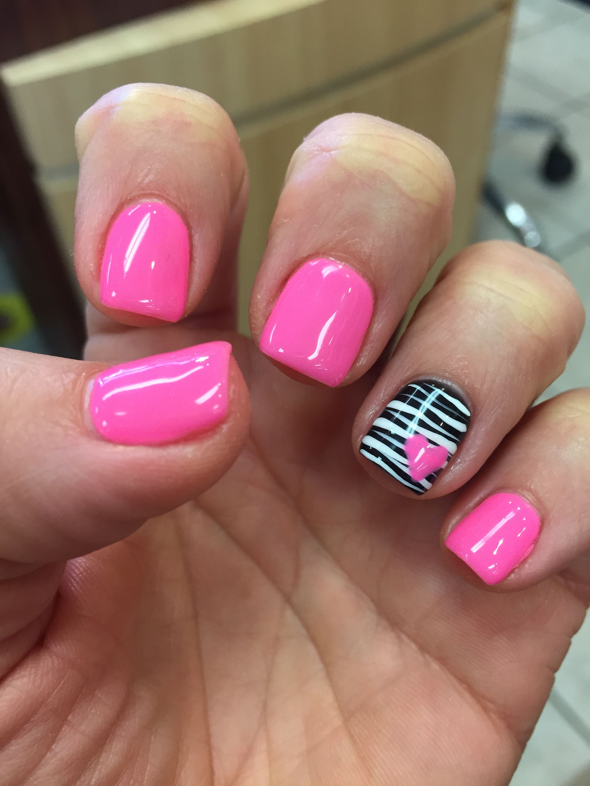 Gel Mani Shellac Zebra Pink Valentine Nails Polish February With Images Gelove Nehty Design Nehtu