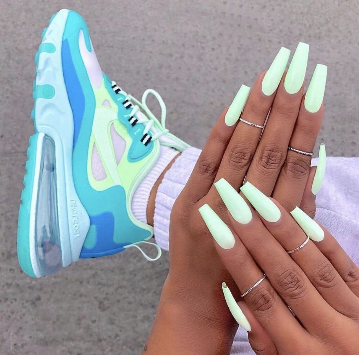 39 Gorgeous Summer Nails You Need To Try Neonove Nehty Gelove Nehty A Nehty