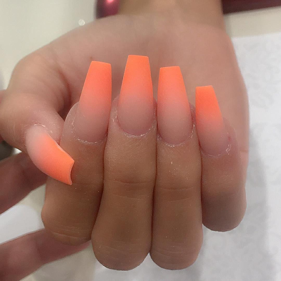 All Powder Not Polish Love How They Look Matte Ombre Neon With Images Ombre Nehty Gelove Nehty Design Nehtu