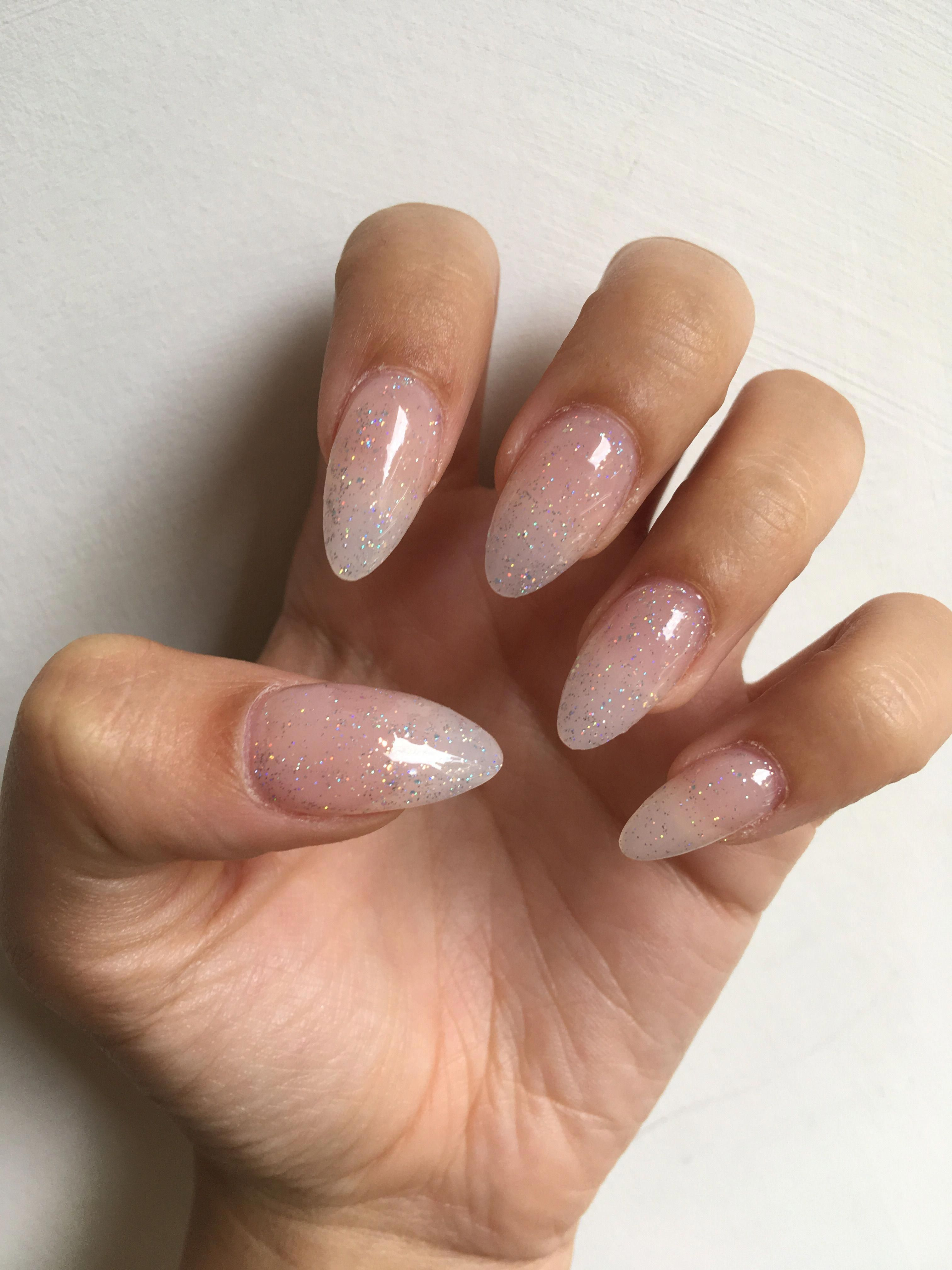 Glitter Nails Gelpolish In 2020 Clear Glitter Nails Almond Acrylic Nails Designs Almond Nails Designs